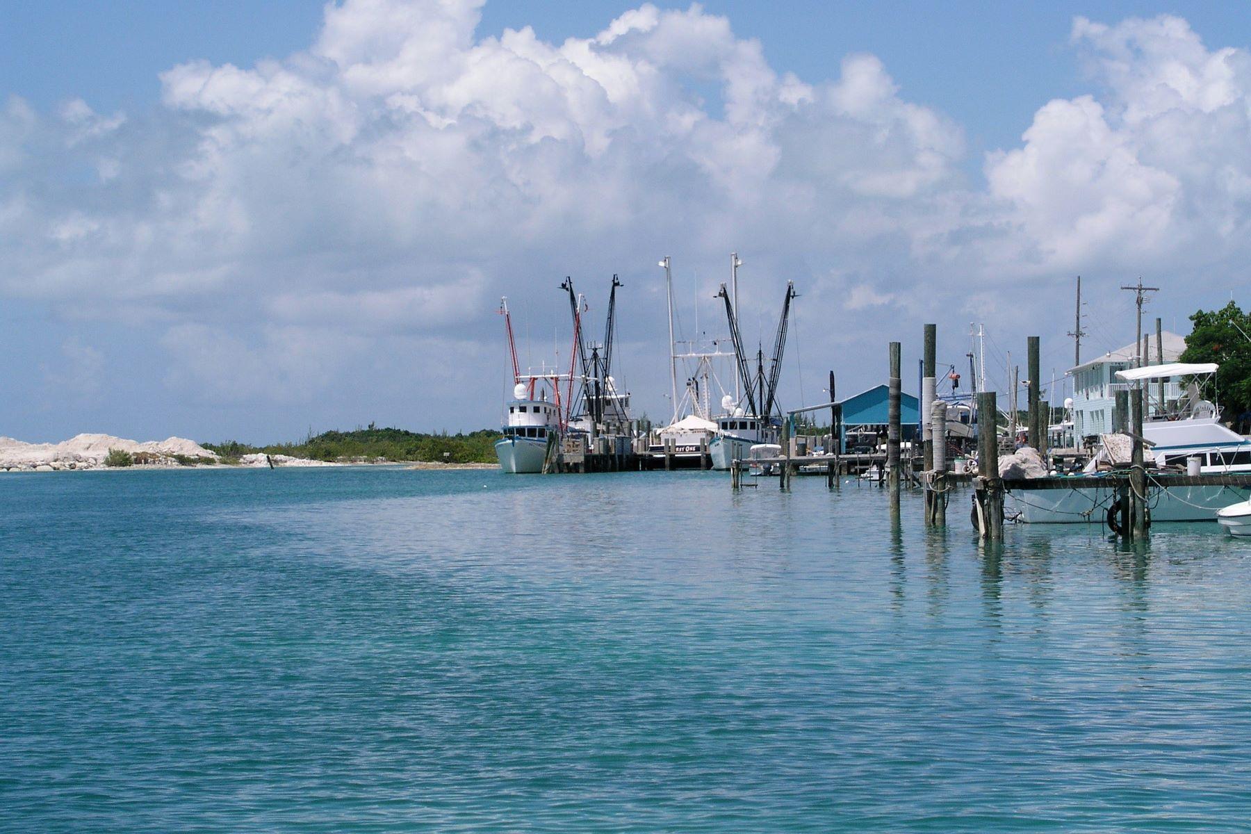 Additional photo for property listing at Spanish Wells Harbourside Dock Property 西班牙维尔斯, 伊路瑟拉 巴哈马