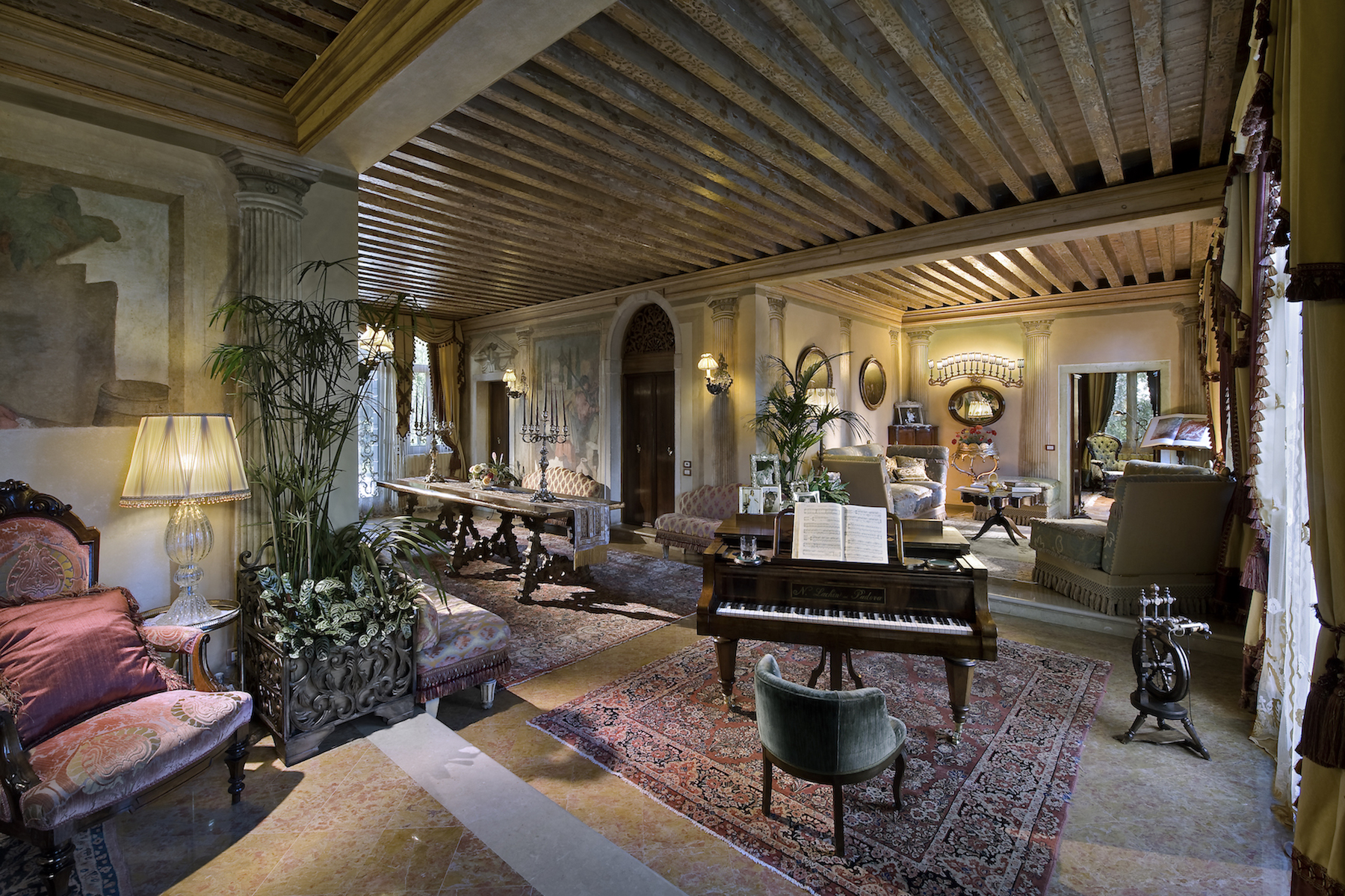 Vivienda unifamiliar por un Venta en Classic and luxurious Villa close to Venice Venice, Venice 30039 Italia