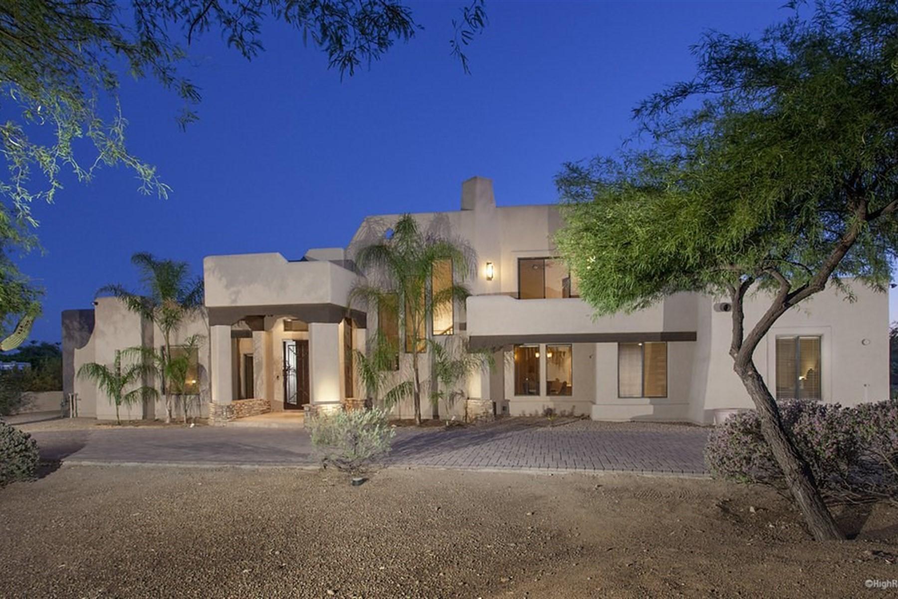 Villa per Vendita alle ore Charming custom home in Shea Corridor 9880 N 110th Street Scottsdale, Arizona, 85259 Stati Uniti