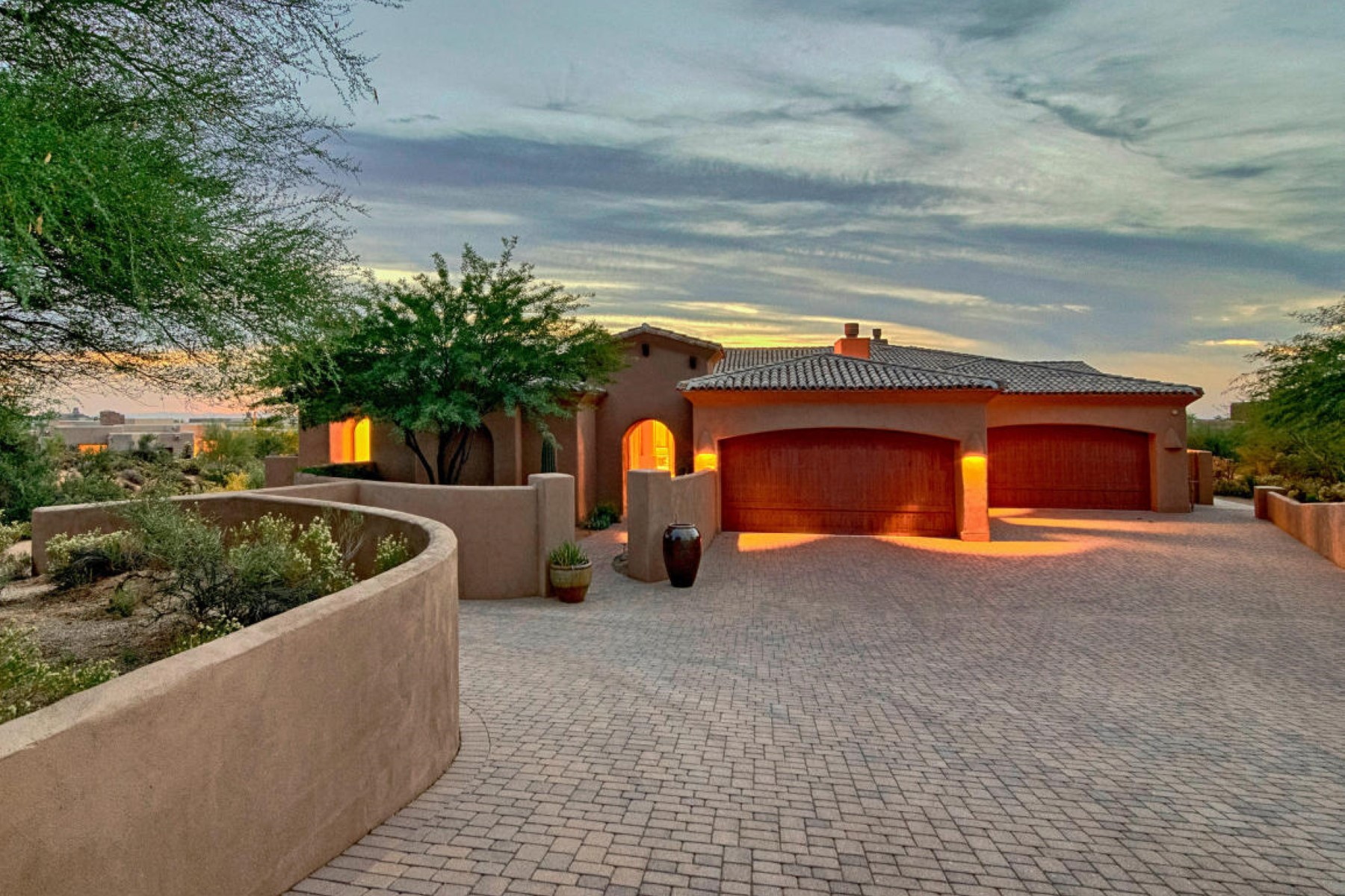 Einfamilienhaus für Verkauf beim Wonderful Single Level Home in the Village of Turquoise Ridge in Desert Mountain 40160 N 105th Place Scottsdale, Arizona, 85262 Vereinigte Staaten