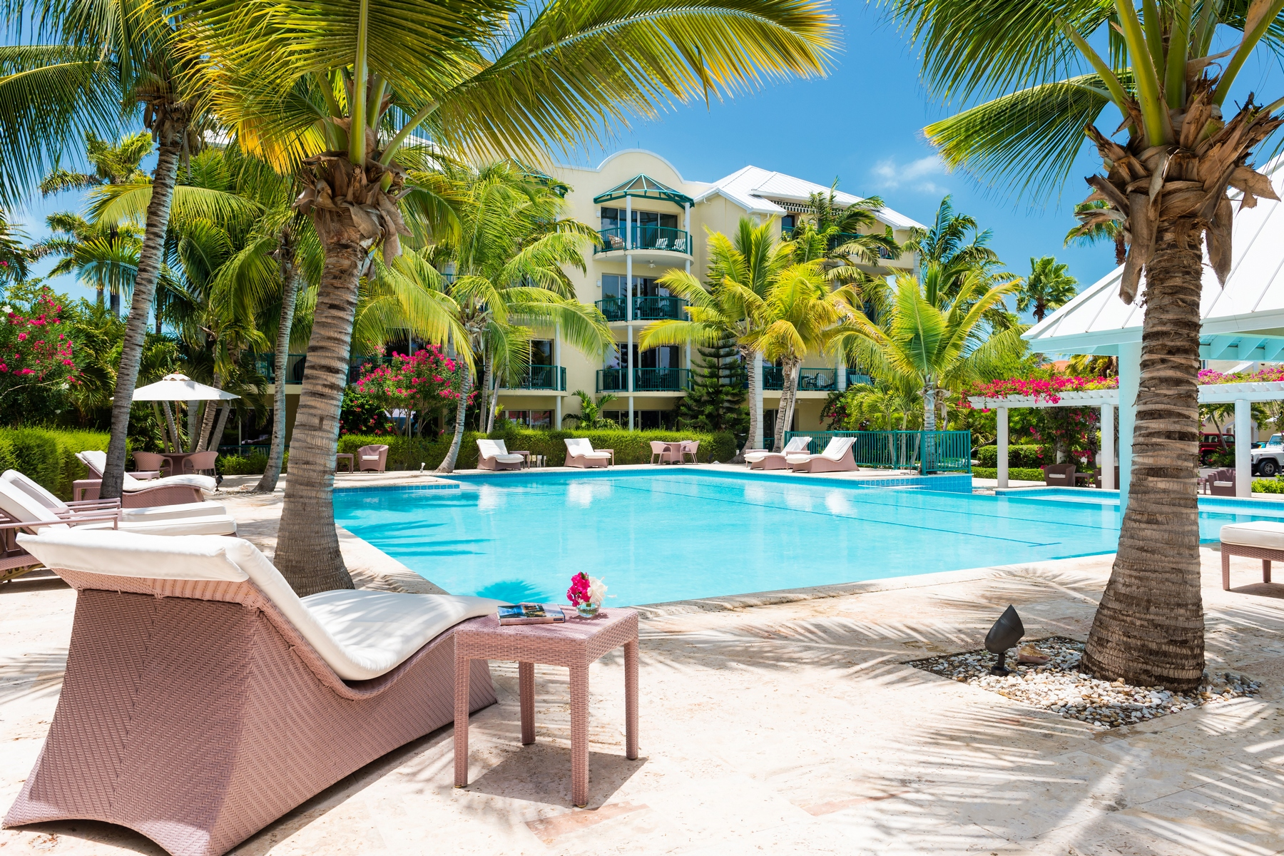 Additional photo for property listing at The Yacht Club - B9 The Yacht Club, Turtle Cove, Providenciales Îles Turques Et Caïques