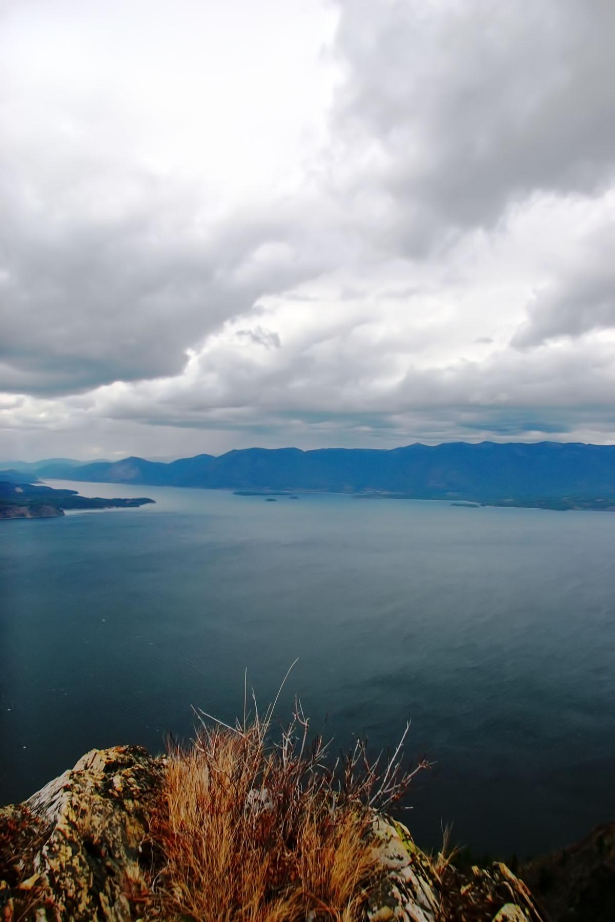 Terrain pour l Vente à Spectacular Views of Lake Pend Orielle grace this 137 acres NNA Highdrive 137 acres Clark Fork, Idaho, 83811 États-Unis