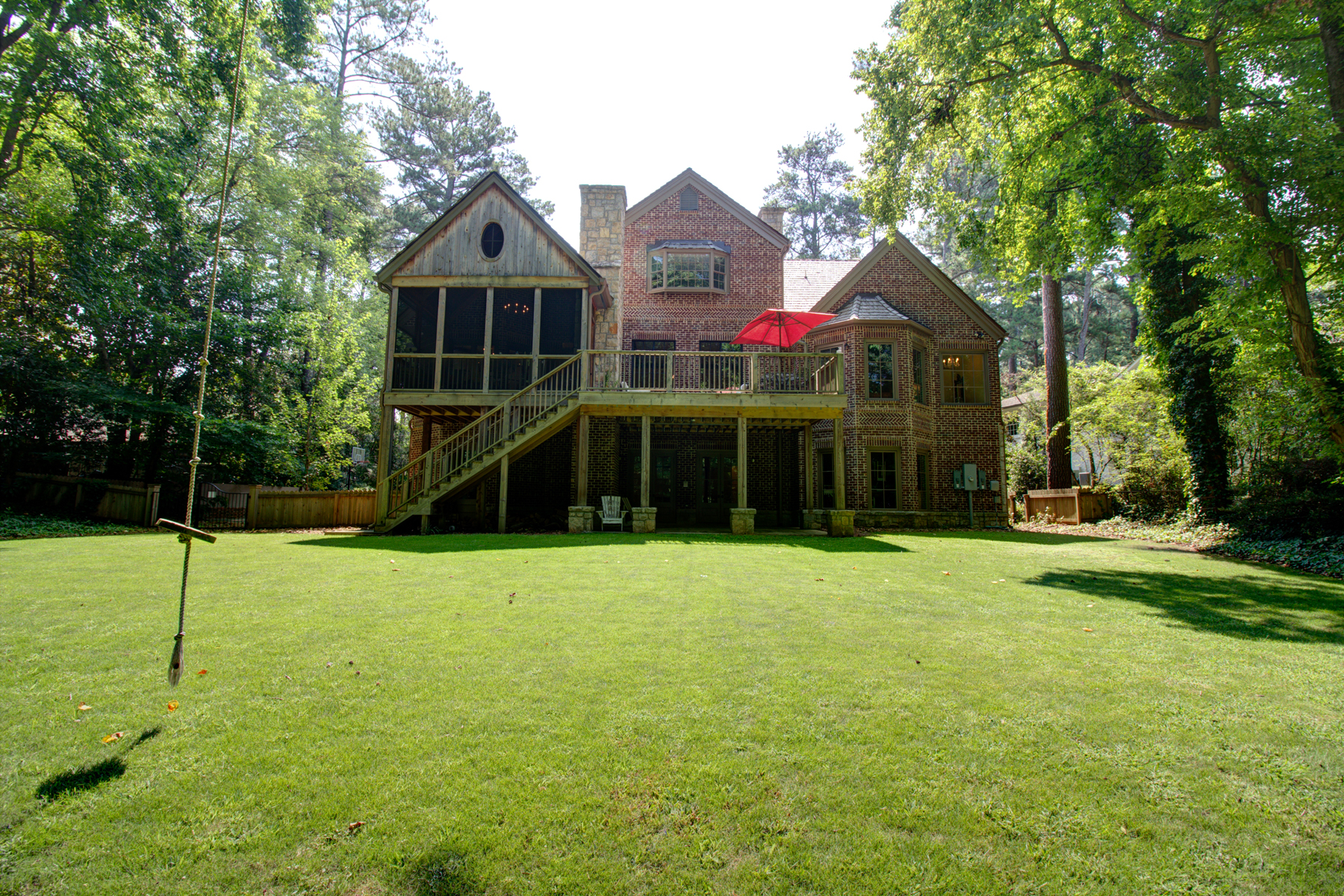 Additional photo for property listing at Custom English Country Style Home in Buckhead 3134 E Wood Valley Road Atlanta, Georgia 30327 Hoa Kỳ