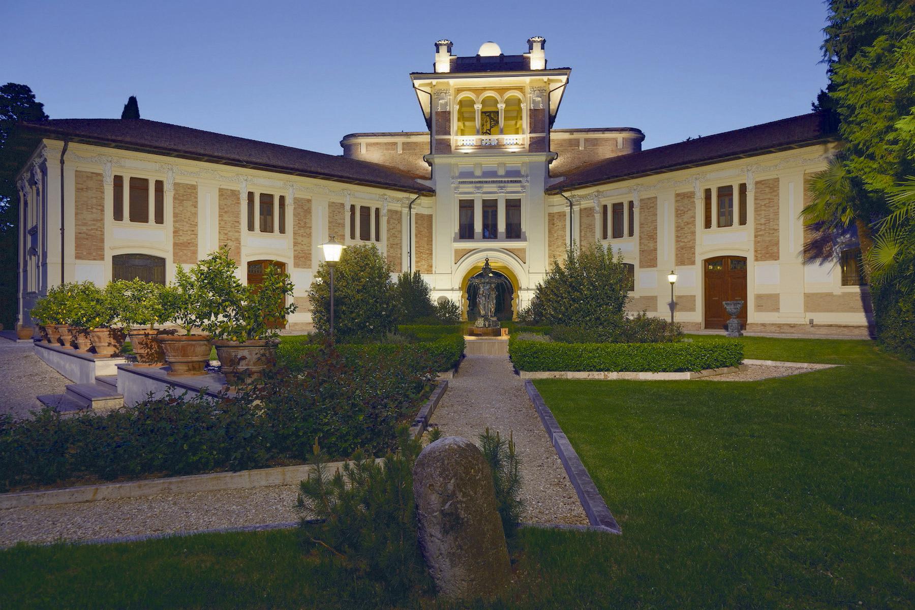 Additional photo for property listing at Villa Cardinali Contrada Schito Treia, Macerata 62010 Italia