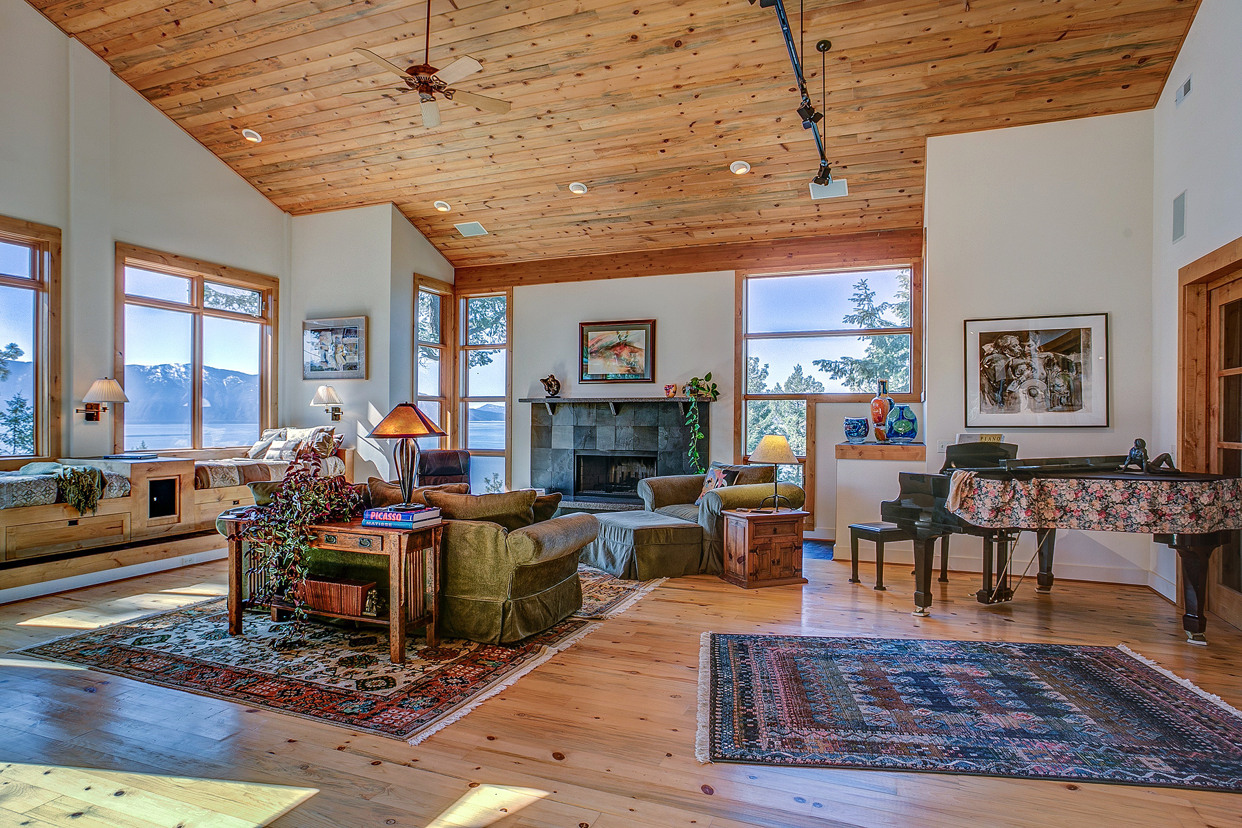 Single Family Home for Sale at A vacation every day! Poised at the tip of the Hope Peninsula 178/180 Deer Haven Hope, Idaho, 83836 United States