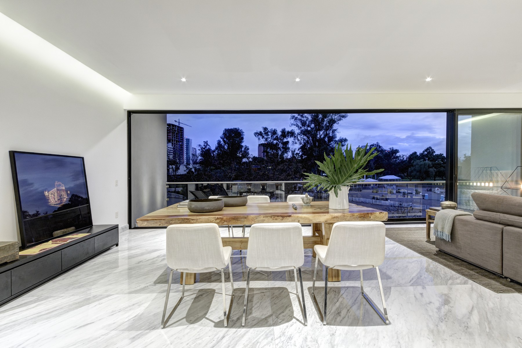Additional photo for property listing at Torre Nuvo, Departamento 5 Av. Avila Camacho 2225 Guadalajara, Jalisco 22410 Mexico