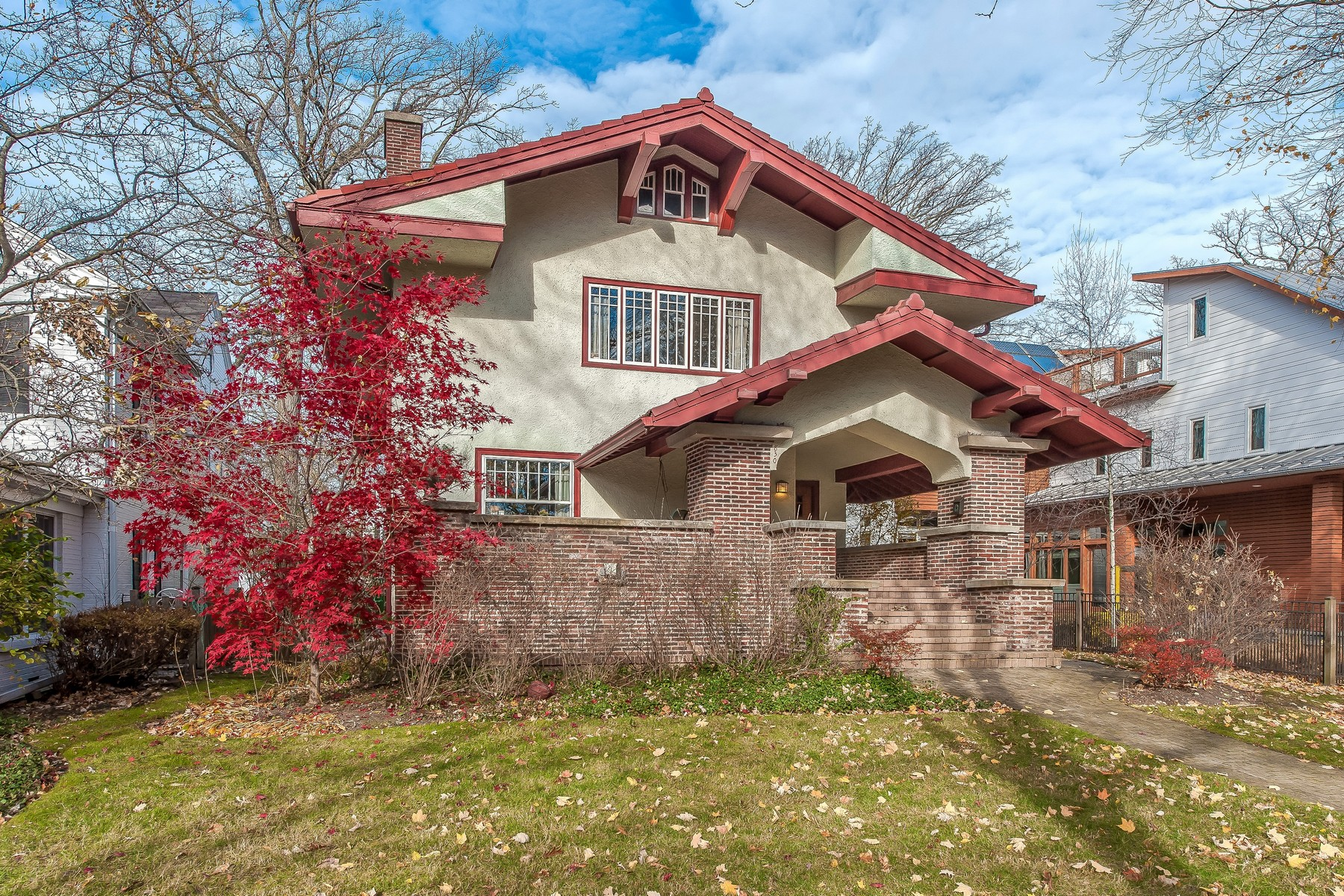 Single Family Home for Sale at Wonderful Prairie Style Home In East Wilmette 830 Oakwood Avenue Wilmette, Illinois, 60091 United States