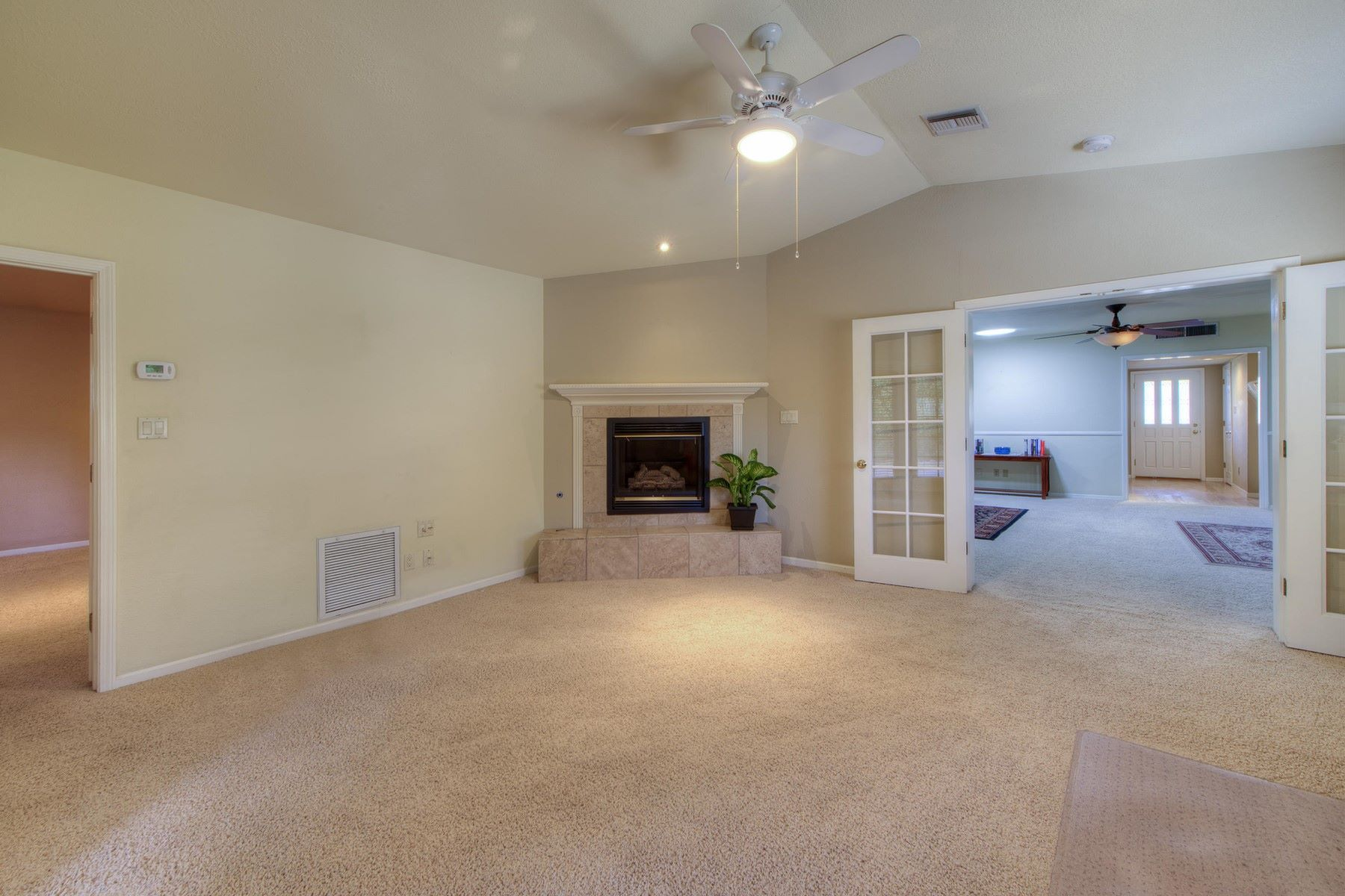 Villa per Vendita alle ore Beautifully remodeled home in Phoenix 1233 E Marshall Ave Phoenix, Arizona, 85014 Stati Uniti
