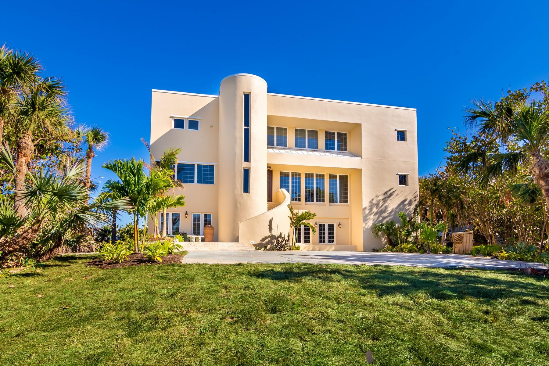 Maison unifamiliale pour l Vente à Unique Oceanfront Home with Panoramic Views 8875 HIGHWAY A1A Melbourne Beach, Florida, 32951 États-Unis
