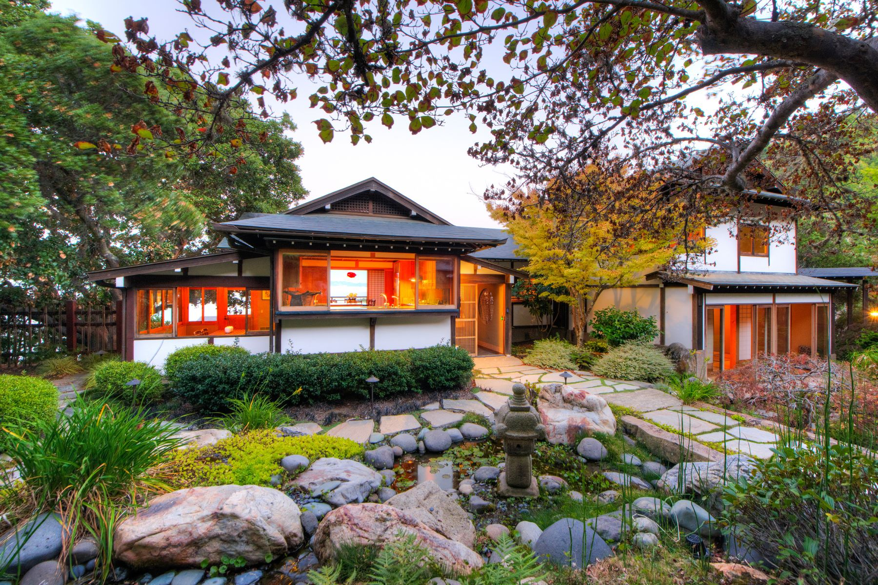 واحد منزل الأسرة للـ Sale في Artful Japanese Living 63 Norman Way Tiburon, California 94920 United States