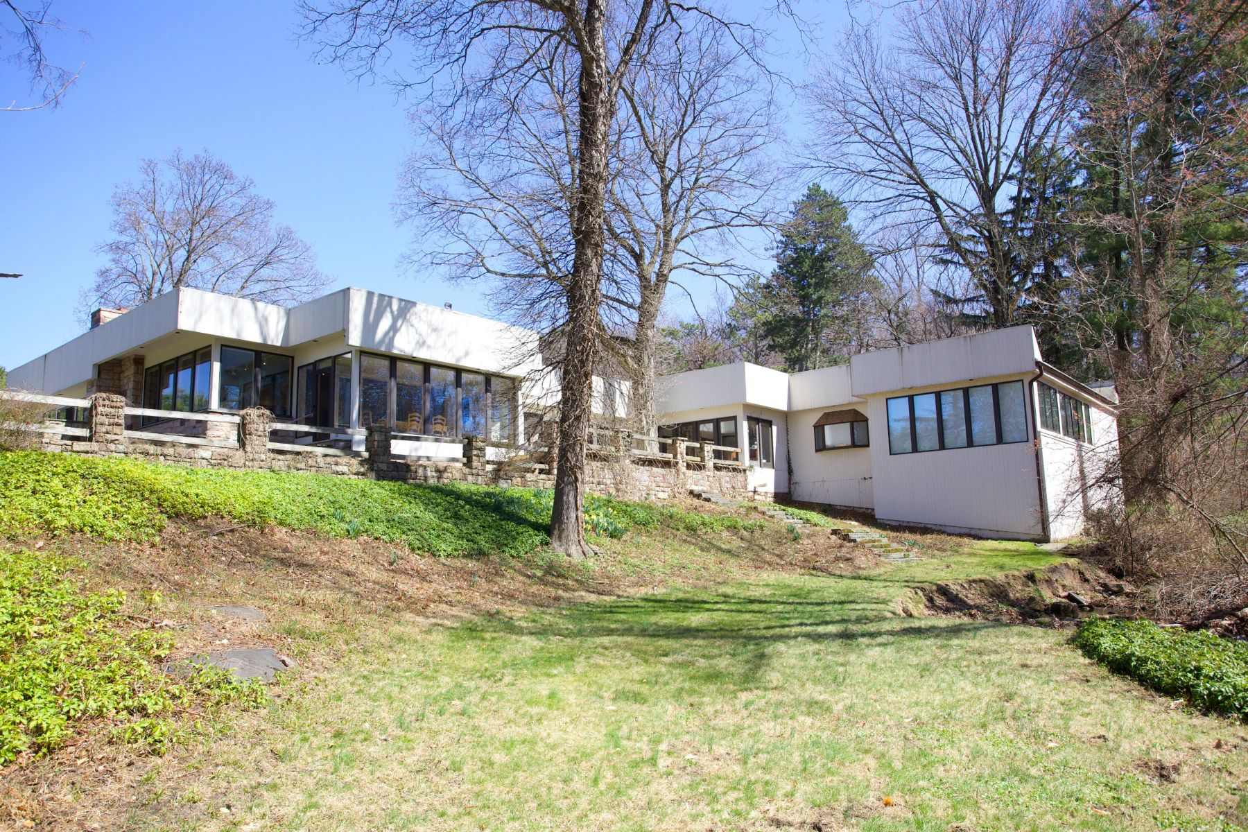 Terrain pour l Vente à Beautiful Sprawling Property 470 Anderson Avenue Closter, New Jersey 07624 États-Unis