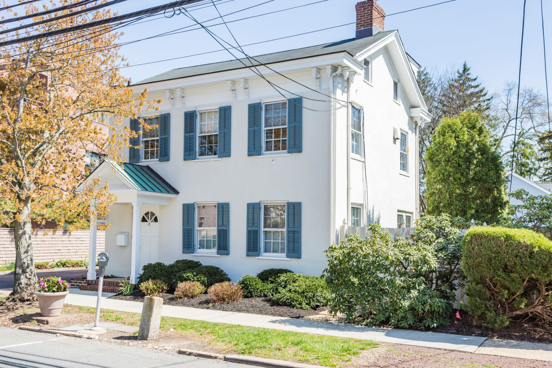 Maison unifamiliale pour l Vente à Work/Live with Beautiful Flexibility in Town 361 Nassau Street Princeton, New Jersey, 08540 États-Unis