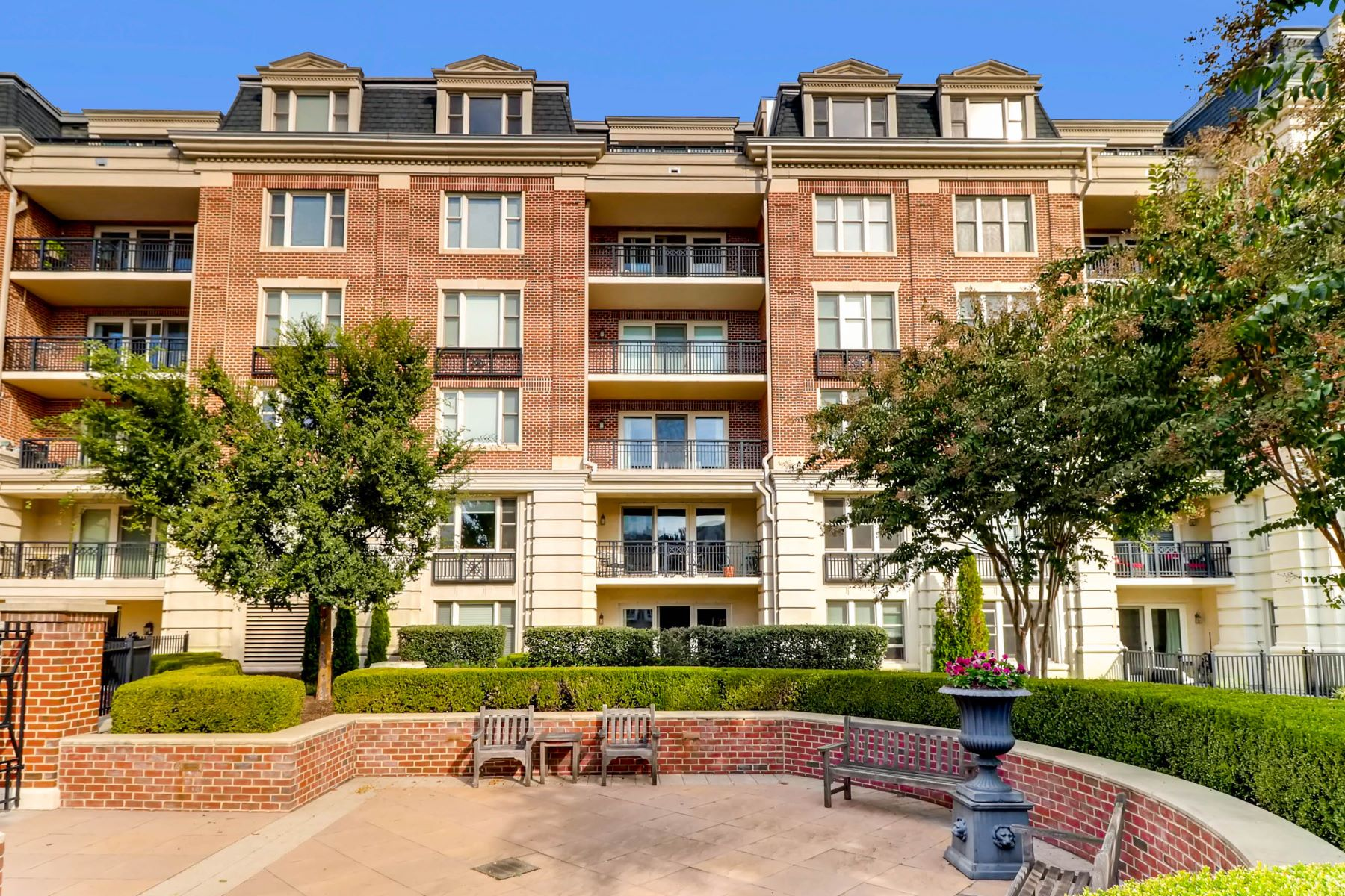 Condominium for Rent at The Ritz-Carlton Residences 801 Key Highway #P-59 Baltimore, Maryland 21230 United States