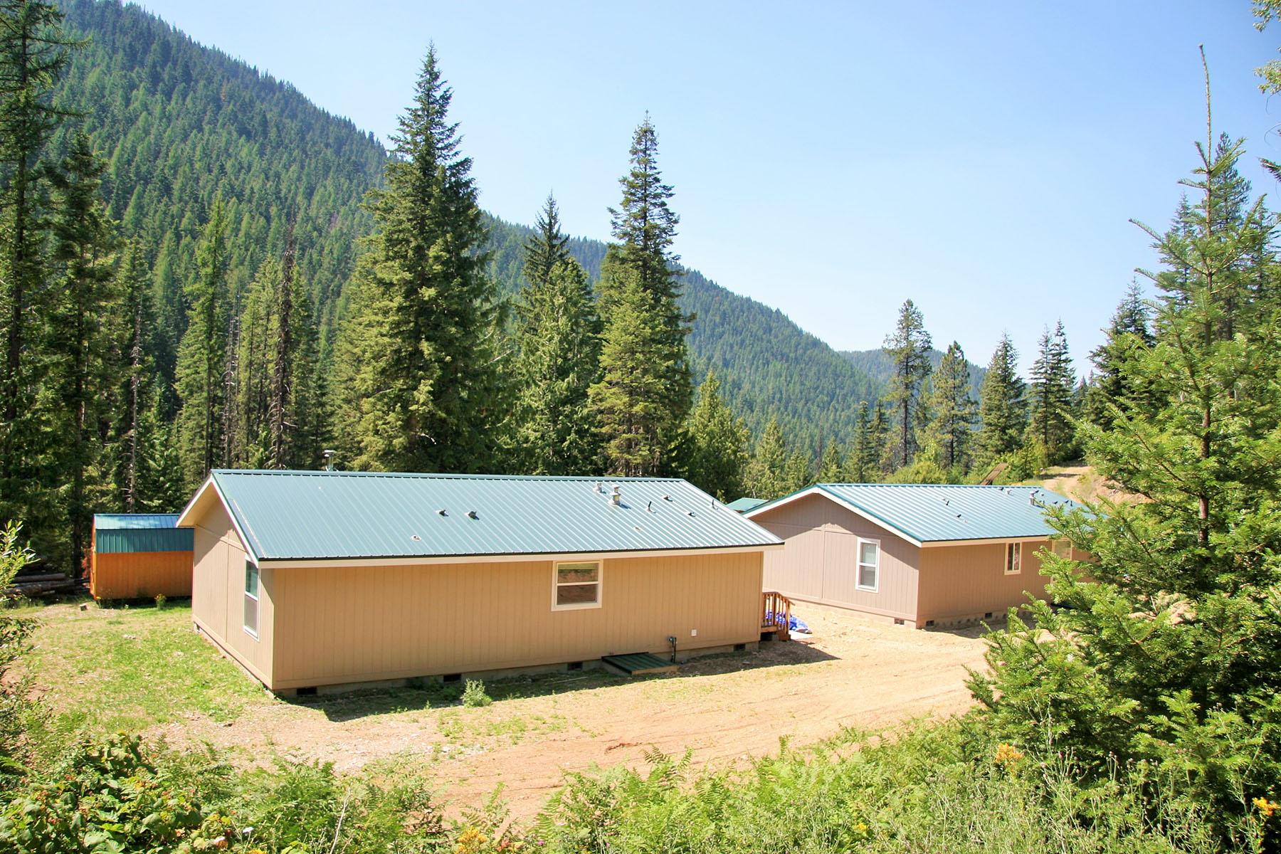 Casa Unifamiliar por un Venta en Truly one of a kind 50 acre homestead! 7000 Moon Pass Rd Wallace, Idaho, 83873 Estados Unidos