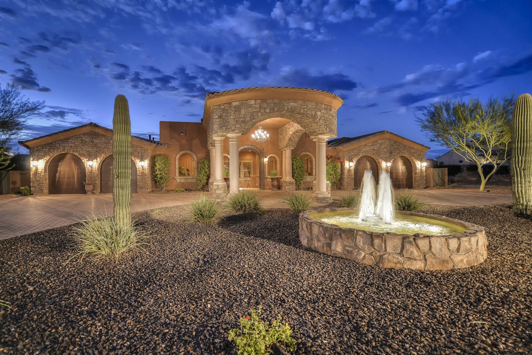 Maison unifamiliale pour l Vente à Beautiful Mediterranean style home 8214 E Kael St Mesa, Arizona, 85207 États-Unis