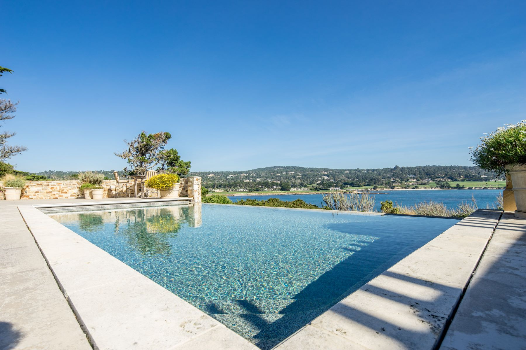 Additional photo for property listing at 3290 17 Mile Drive  Pebble Beach, California 93953 United States
