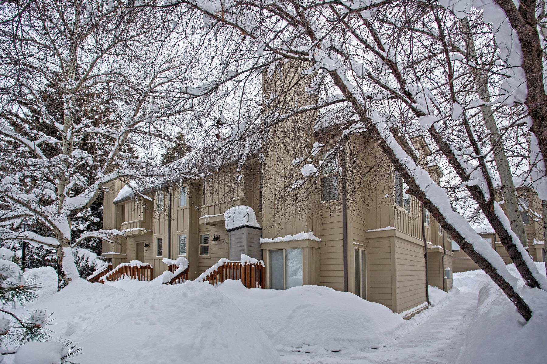 Nhà phố vì Bán tại Hidden Creek Condo Nestled in the Trees 2100 W Canyons Resort Dr #21-B Park City, Utah, 84098 Hoa Kỳ