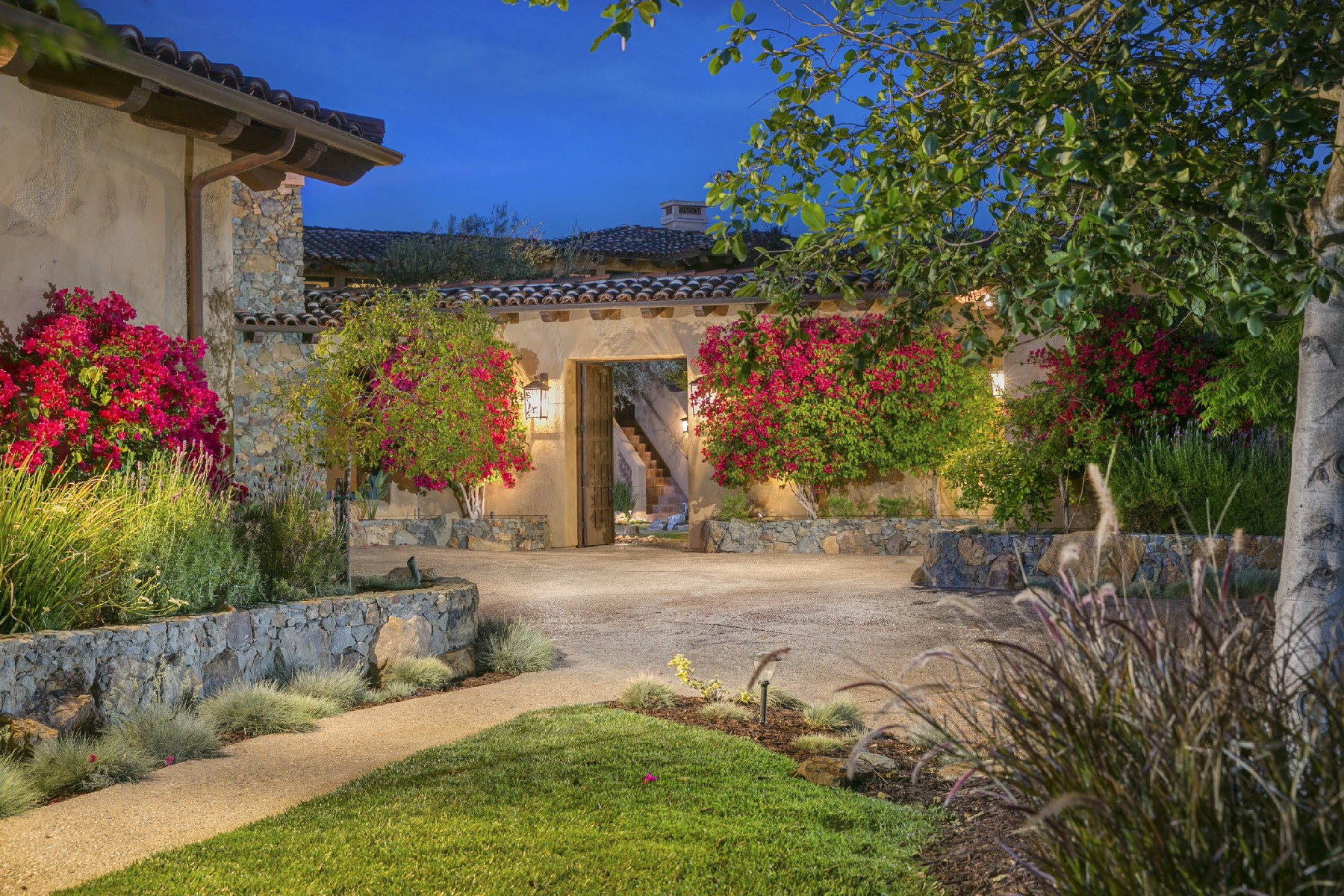 Additional photo for property listing at 6910 The Preserve Way  San Diego, California 92130 United States