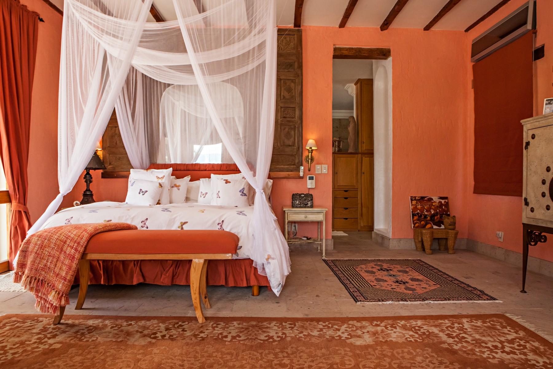 Additional photo for property listing at Lakefront Tuscan Villa, Ajijic, Lake Chapala  Ajijic, Jalisco 45920 Mexico