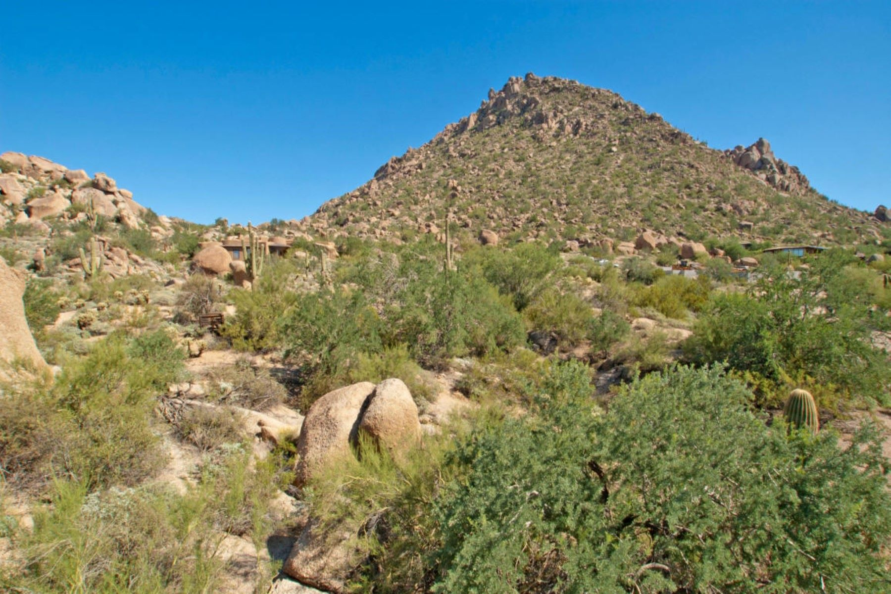 Terreno para Venda às One of eleven custom home sites nestled in the boulders of the Troon Mountain 10902 E Tusayan Trl #67 Scottsdale, Arizona, 85255 Estados Unidos