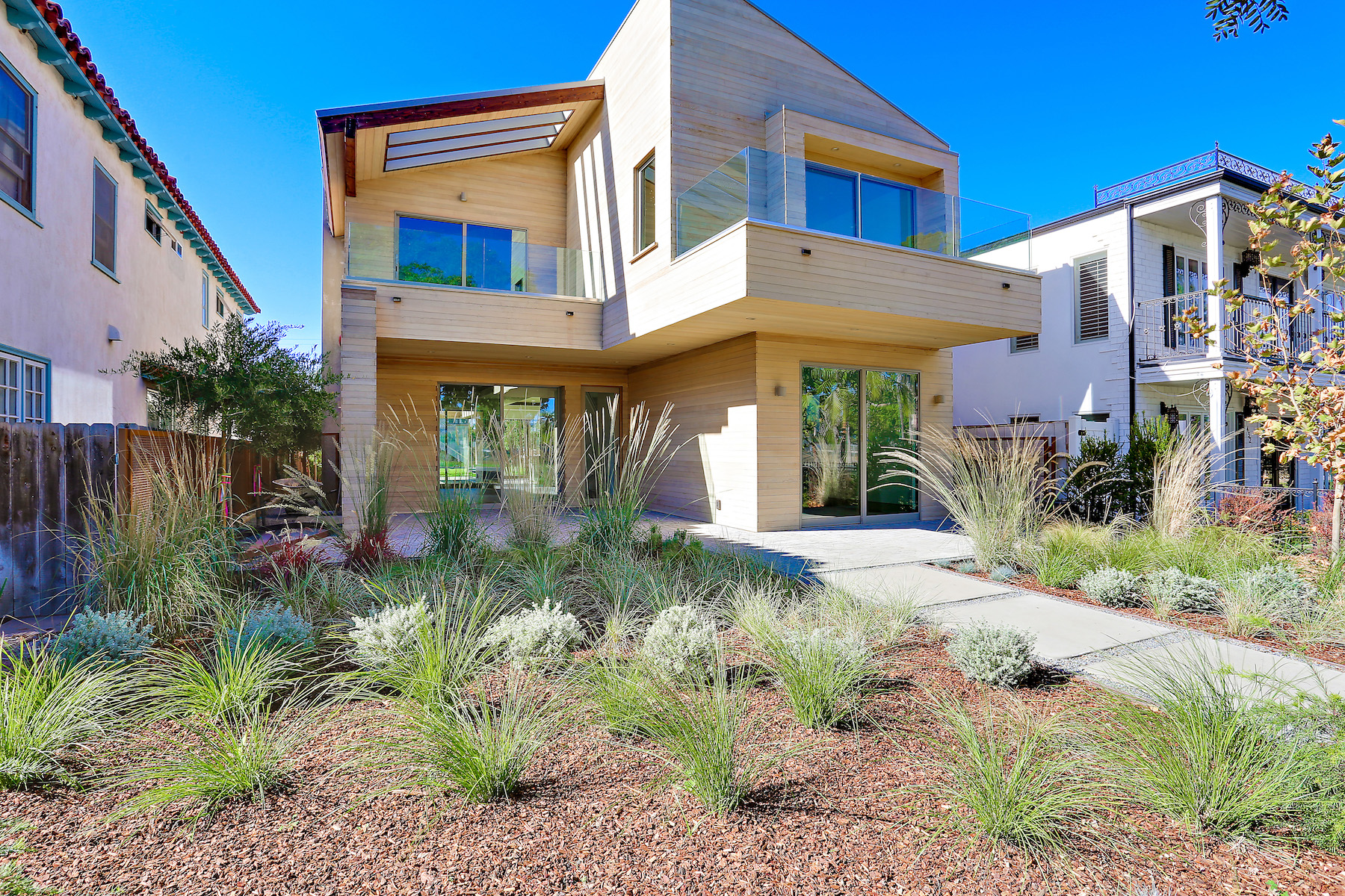 Single Family Home for Sale at 436 Glorietta Blvd Coronado, California 92118 United States