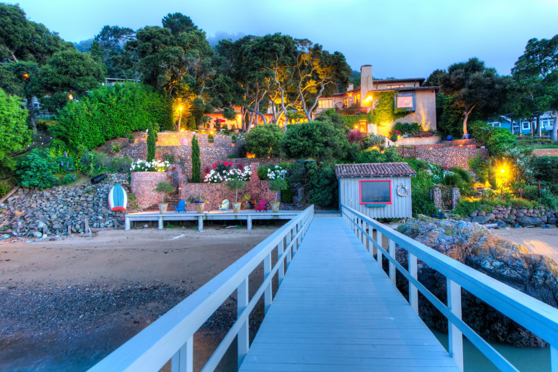 Additional photo for property listing at Timeless Paradise 3560 Paradise Dr Tiburon, カリフォルニア 94920 アメリカ合衆国