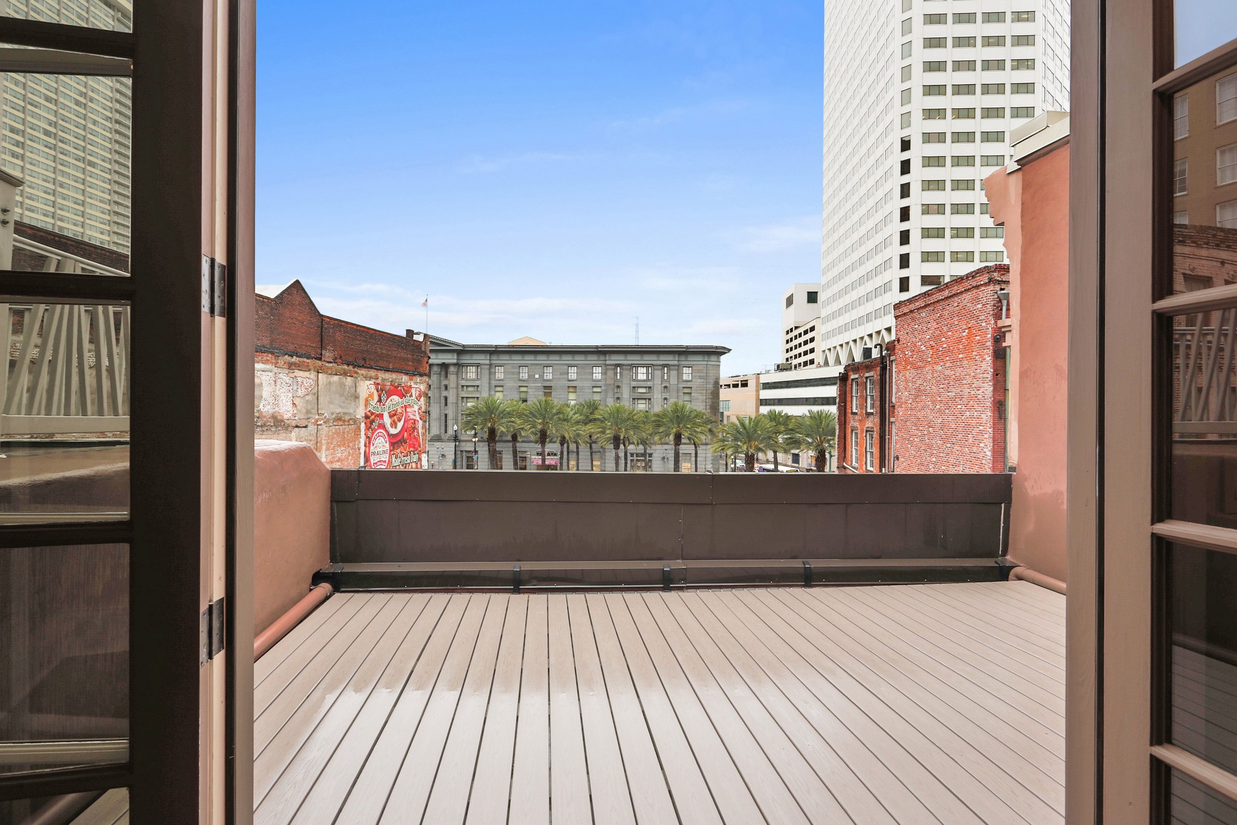 Additional photo for property listing at 418 Common St  New Orleans, Louisiana 70130 United States