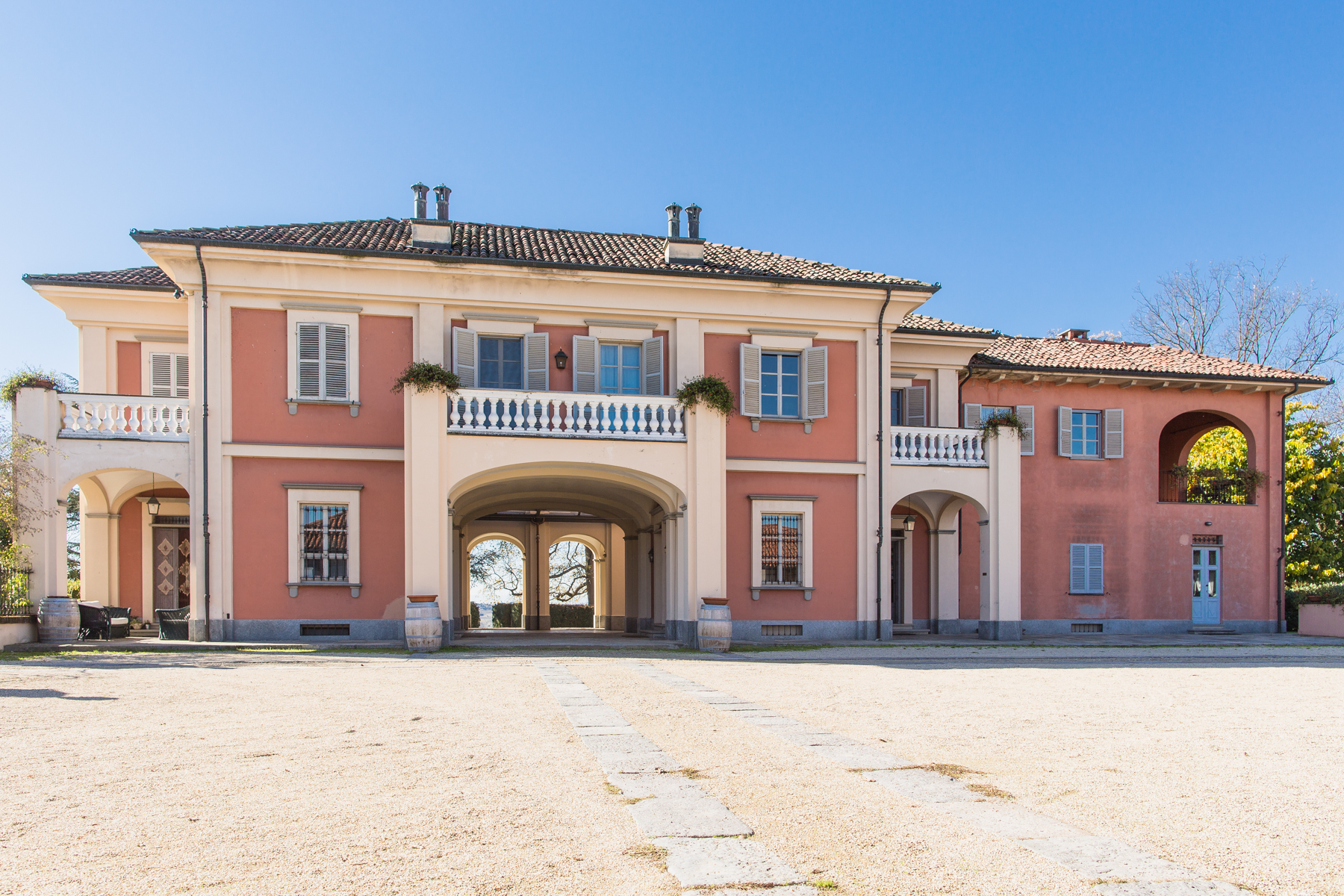 Additional photo for property listing at Beautiful agricultural farm Via Case Sparse Castello Di Annone, Asti 14034 Italy