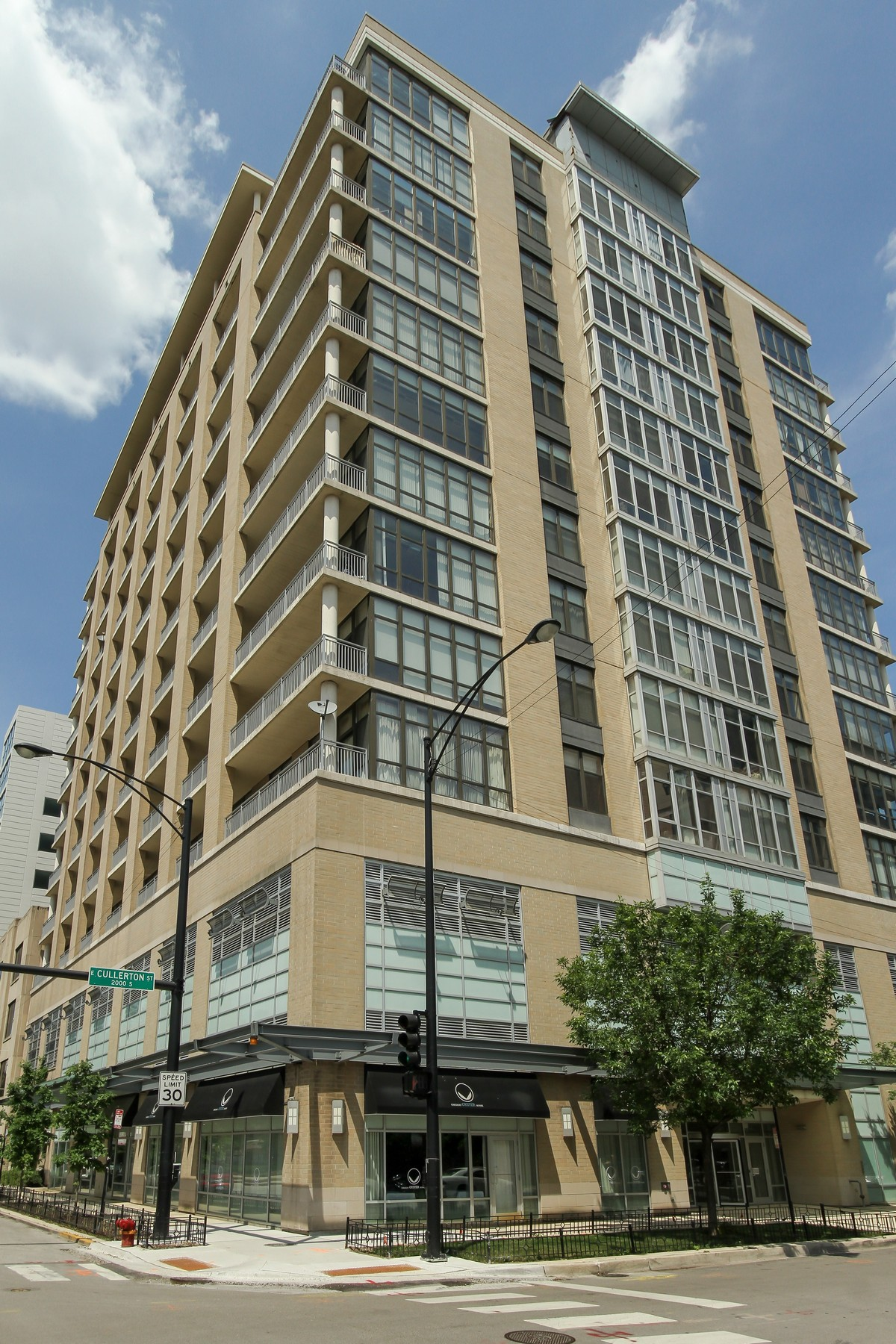 Condominium for Sale at Amazing City and Lake Views! 212 E Cullerton Street Unit PH-11 Near South Side, Chicago, Illinois, 60616 United States