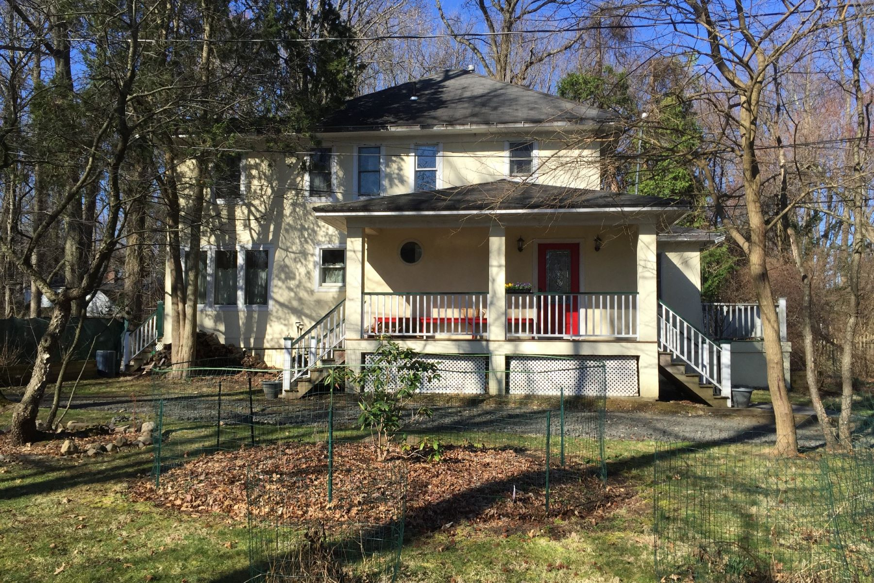 Single Family Home for Sale at c.1922 Colonial 143 Washington Spring Rd Snedens Landing, Palisades, New York, 10964 United States