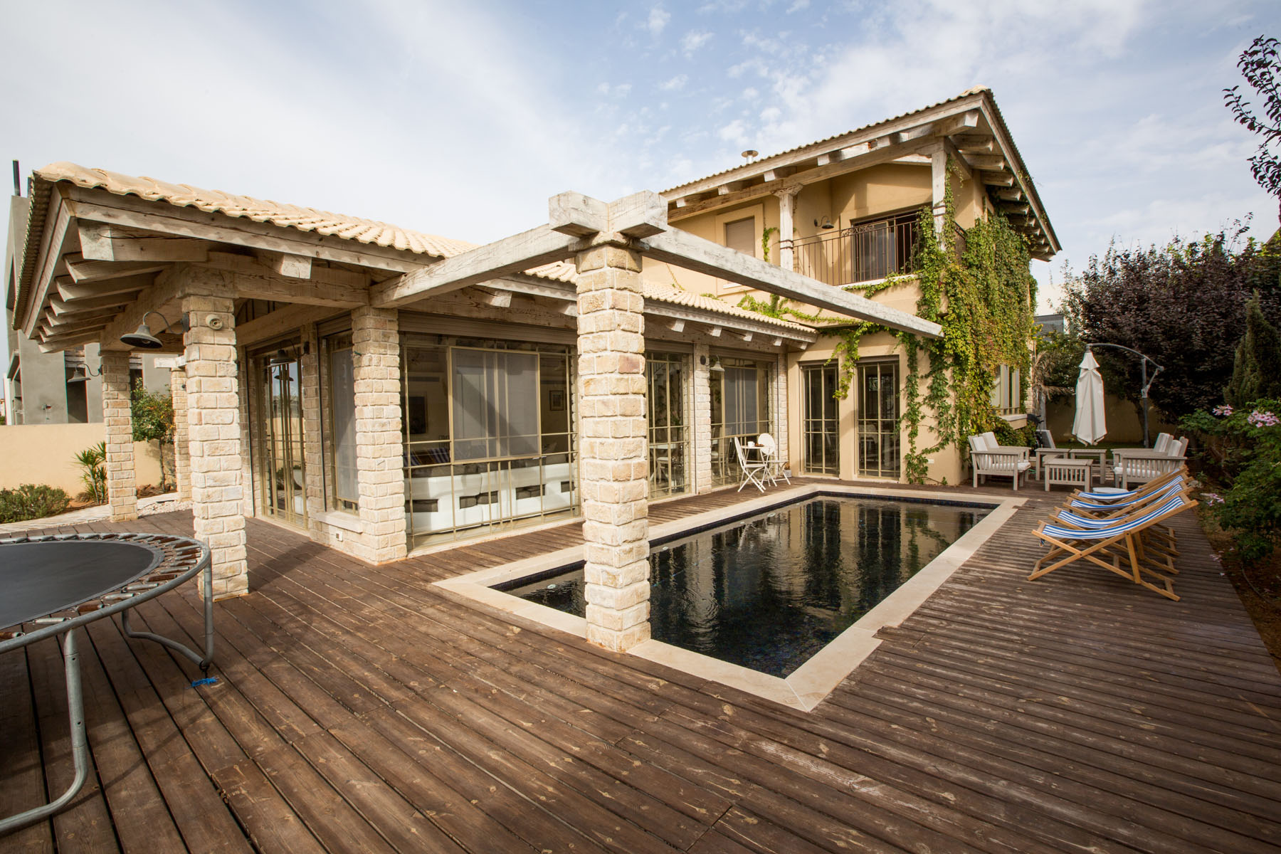 Additional photo for property listing at Majestic Country Provence Style Villa 凯撒利亚, 以色列 以色列