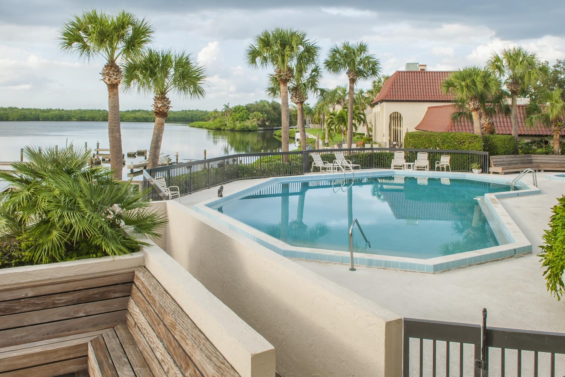 Condomínio para Venda às Fabulous 3/2 End Unit 5101 Highway A1A #101 Vero Beach, Florida, 32963 Estados Unidos