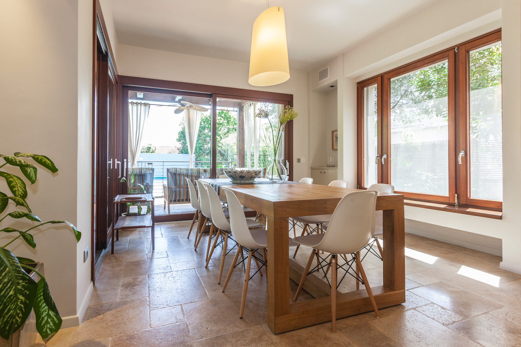 Additional photo for property listing at Bright and Elegant Private house in Nes Ziona Nes Ziona, Israel Israël