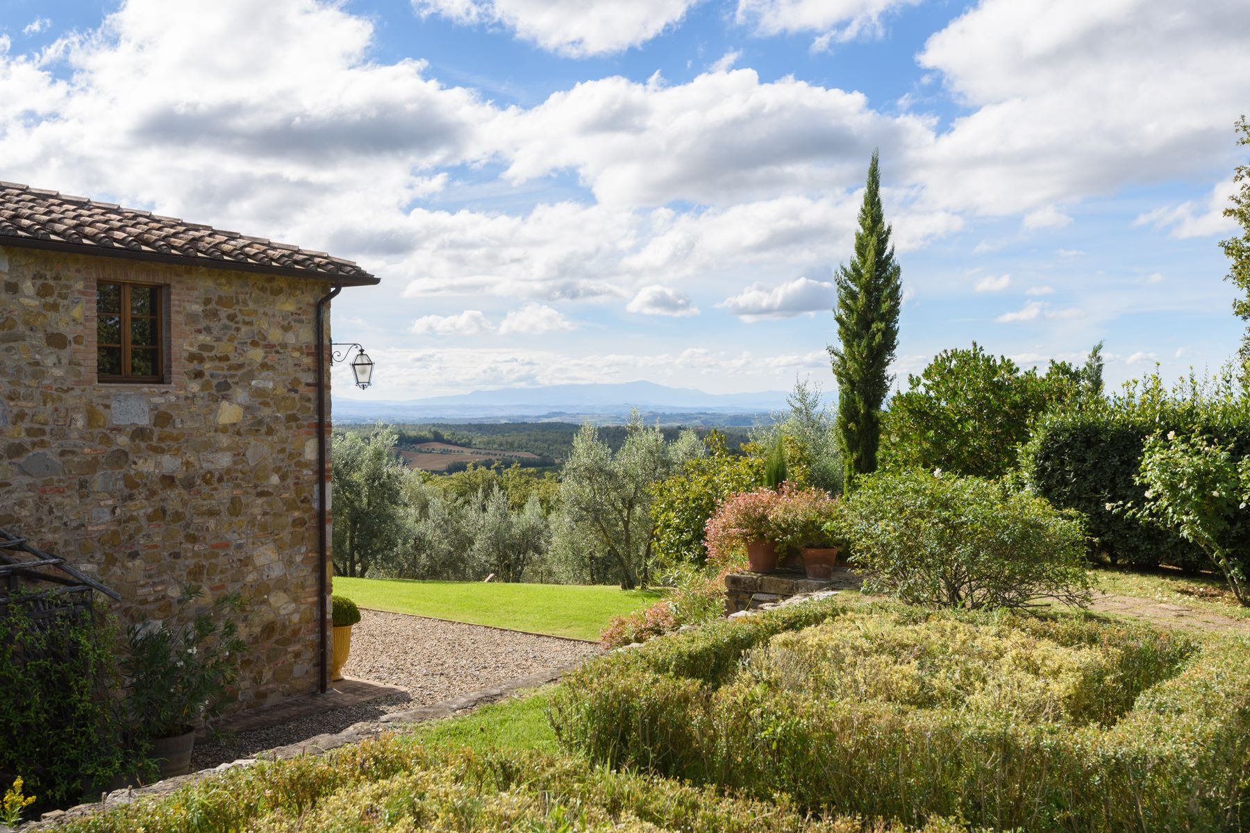 Additional photo for property listing at Luxury Chianti country estate Castelnuovo Berardenga Siena, Siena 53019 Italy