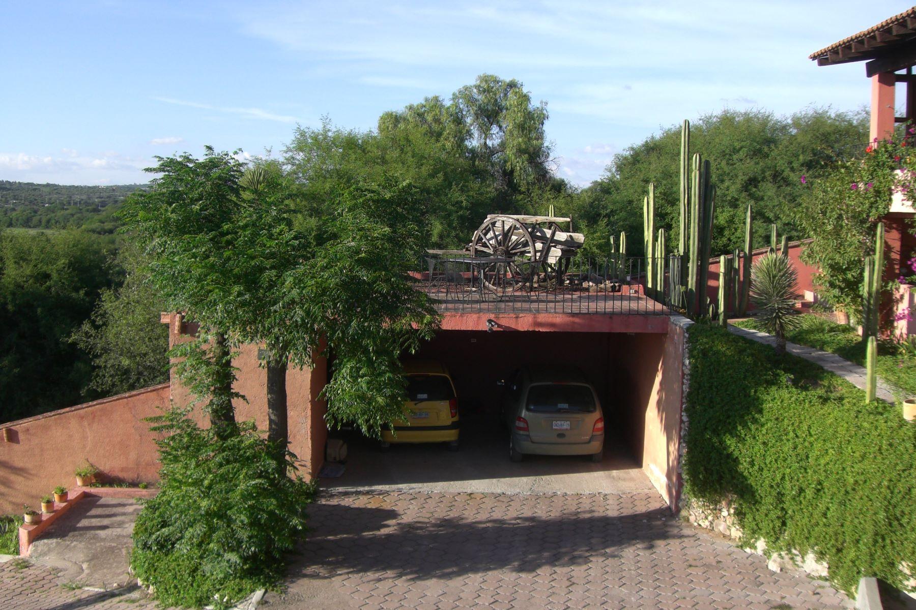 Additional photo for property listing at Casa Agua Maravillosa San Miguel De Allende, Guanajuato Mexico