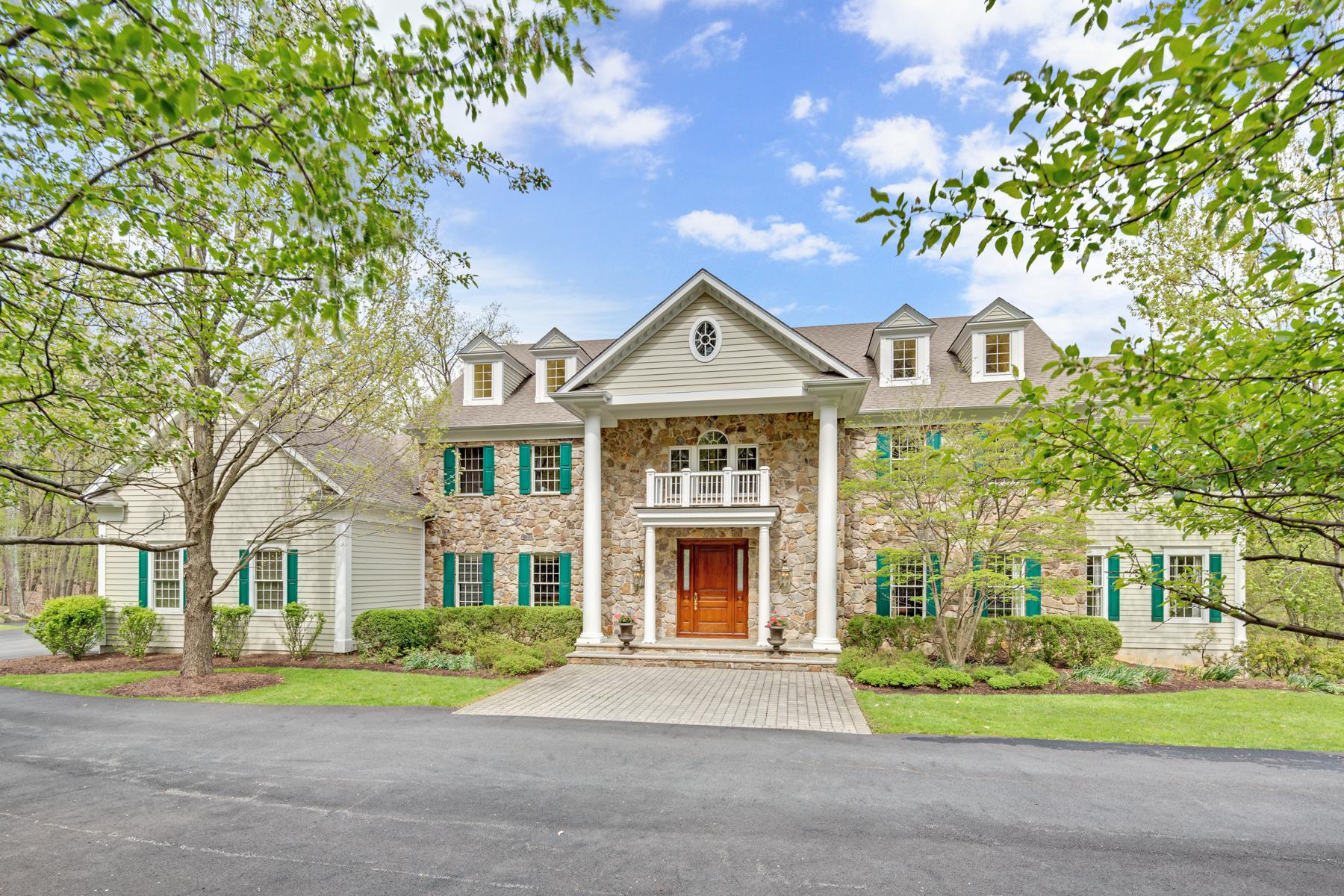 Частный односемейный дом для того Продажа на Elegant Custom Colonial 51 Ravine Lake Road Bernardsville, 07924 Соединенные Штаты