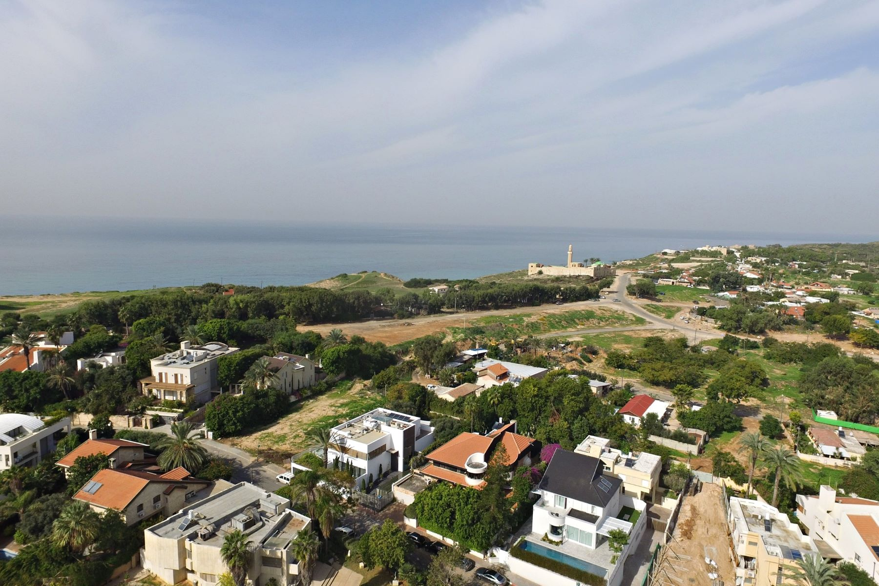 Additional photo for property listing at Inviting Classical Villa near the Sea 荷兹利亚, 以色列 以色列