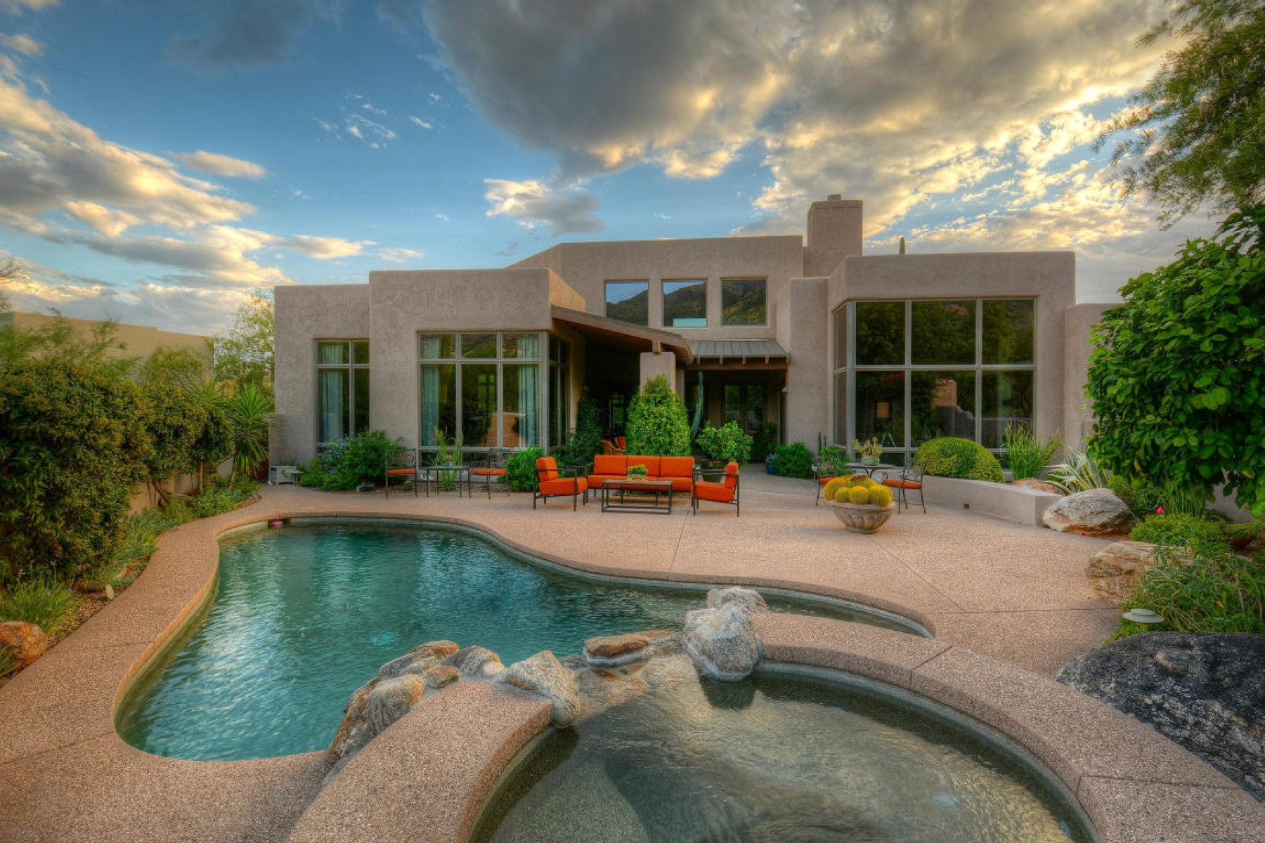 Single Family Home for Sale at Stunning Soft Desert Contemporary 6474 N Lazulite Place Tucson, Arizona, 85750 United States