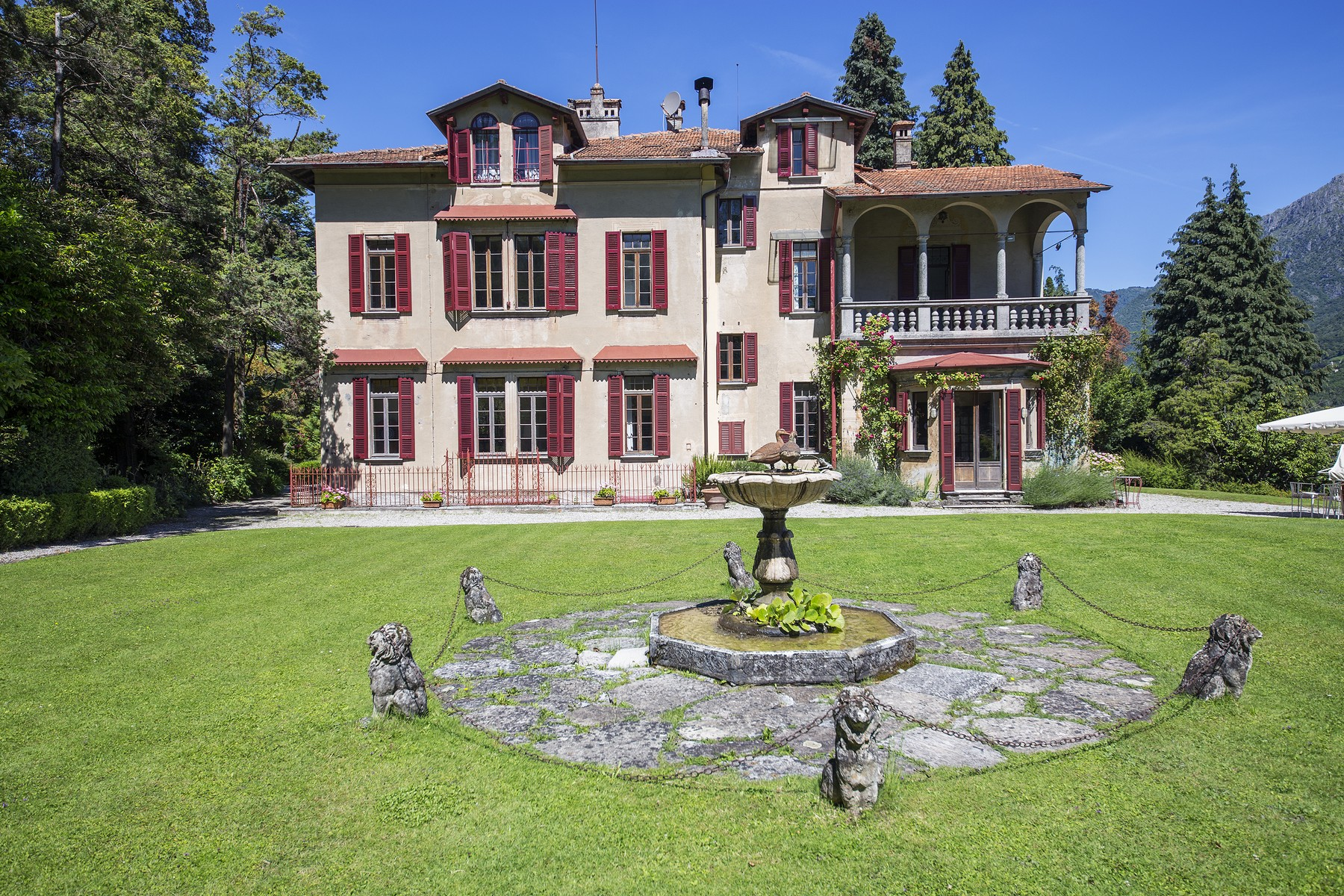 Single Family Home for Sale at Wonderful villa with amazing lakeview Via Alfredo Wyatt Menaggio, Como 22017 Italy