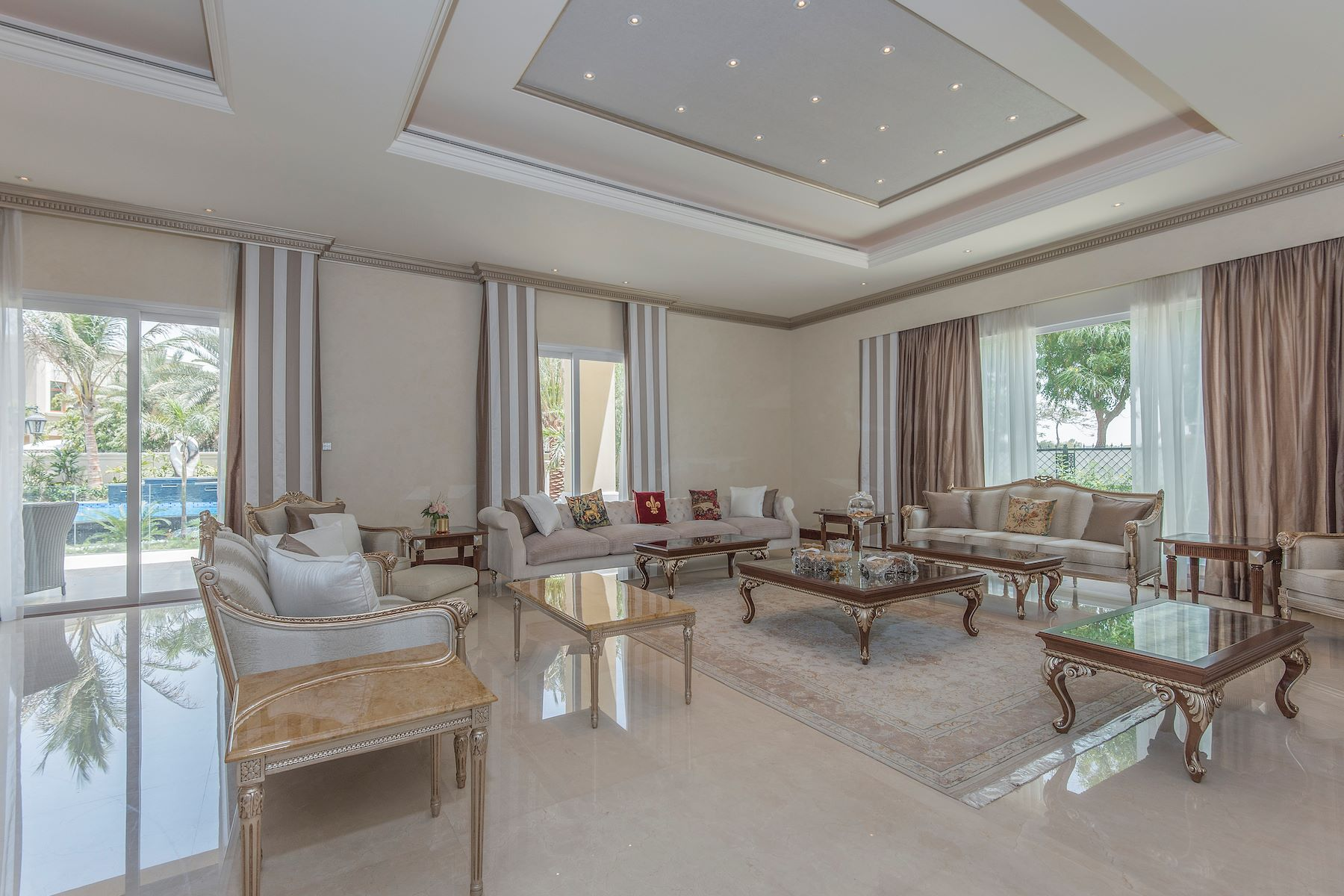 Villa per Vendita alle ore Lakeview Villa Emirates Hills Emirates Hills And Living, Dubai, Emirati Arabi Uniti