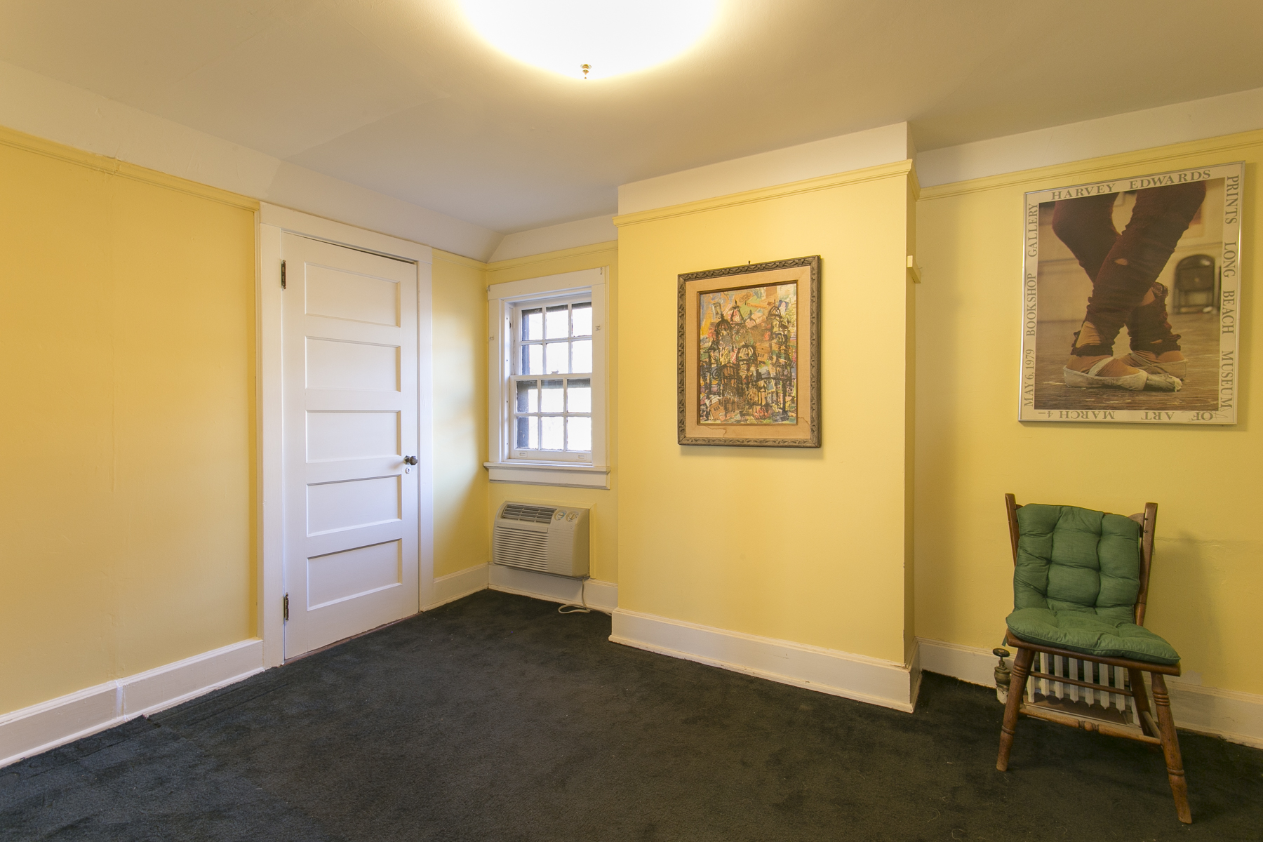 "Additional photo for property listing at ""A HOME FOR ALL SEASONS"" 229 Greenway South, Forest Hills Gardens, Forest Hills, Nueva York 11375 Estados Unidos"