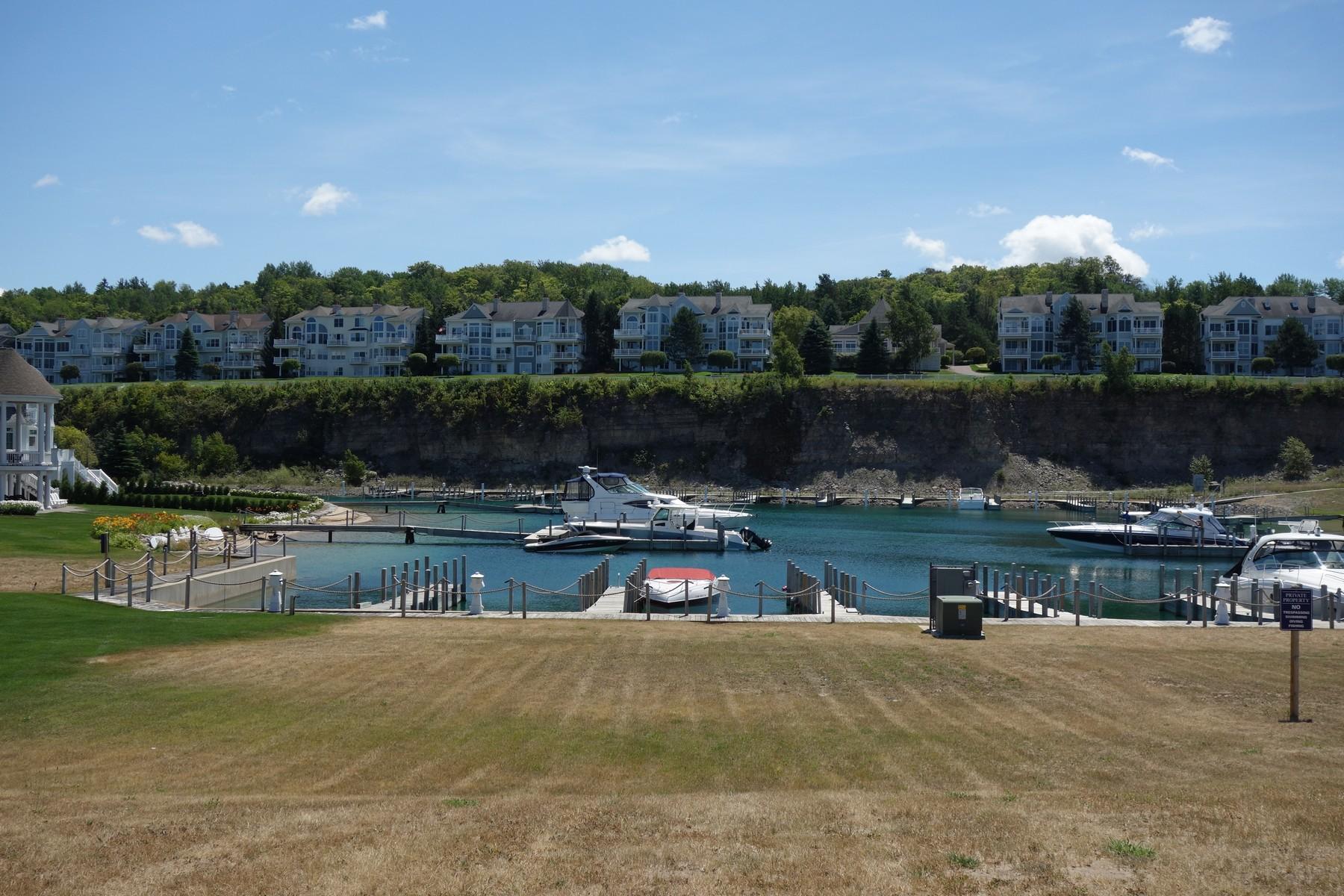 土地 為 出售 在 Lakeshore Village 29 3335 Village Harbor, Bay Harbor, 密歇根州, 49770 美國