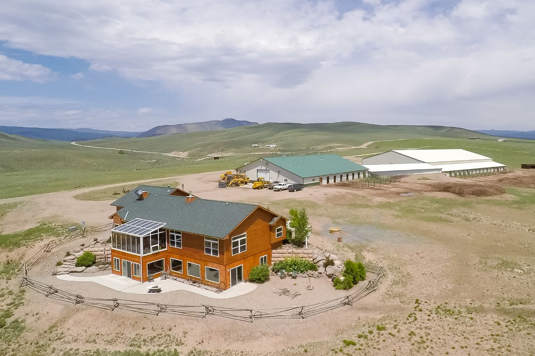 Granjas / Hacienda / Platanción por un Venta en Western Dreams Ranch 1049 Grand County Road 2201 Kremmling, Colorado 80459 Estados Unidos