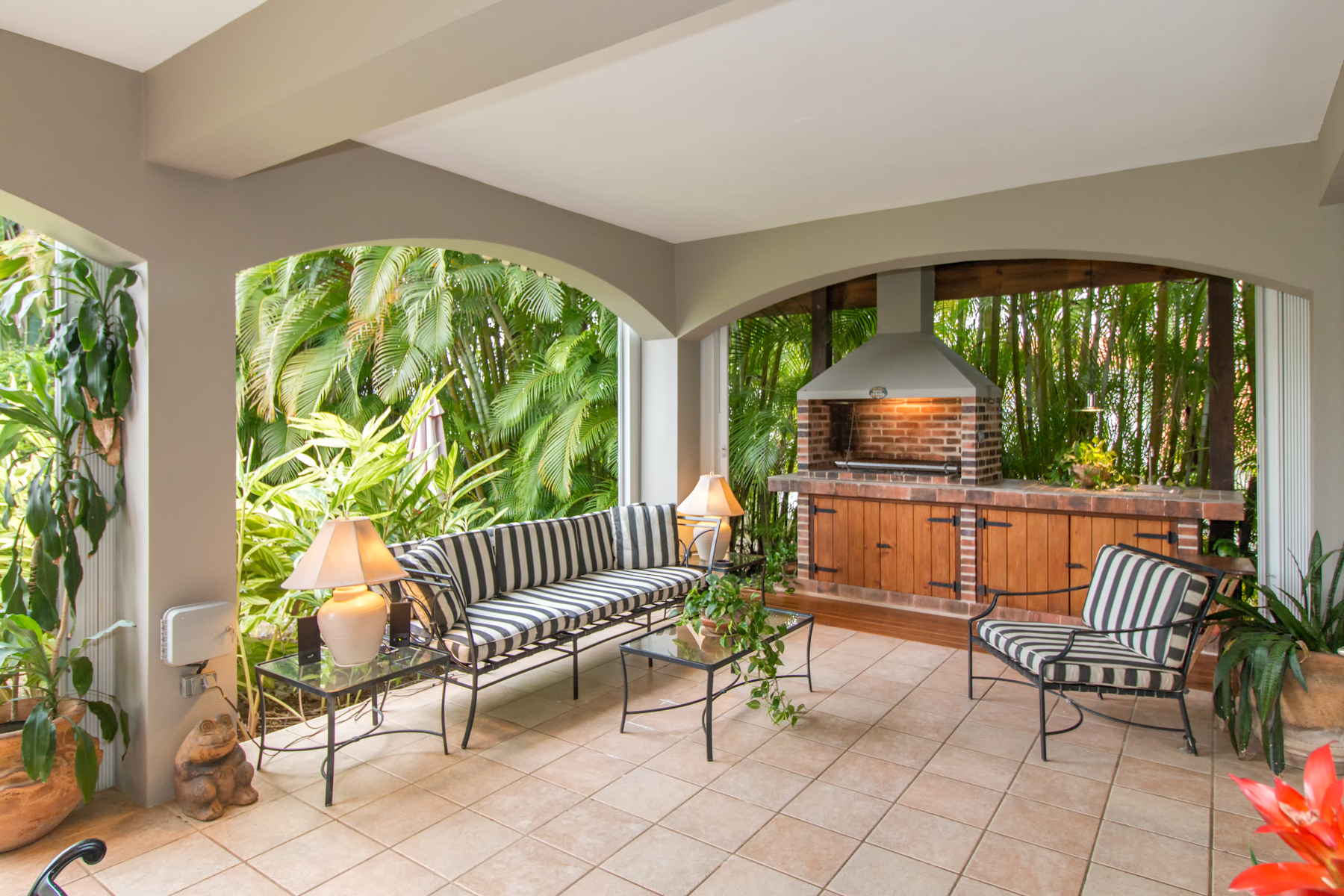Single Family Home for Sale at Scenic Montehiedra Home 284 Calle Jilguero San Juan, Puerto Rico 00926 Puerto Rico