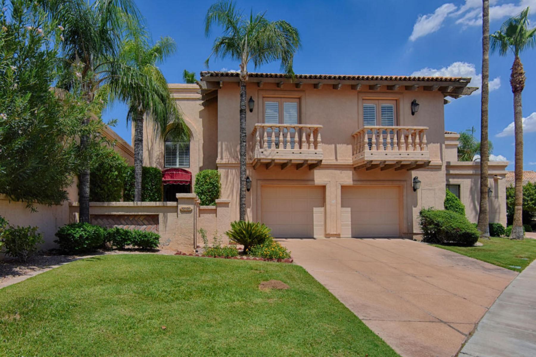 Maison en rangée pour l Vente à Amazing opportunity for this fabulous waterfront home 10106 E Topaz Dr Scottsdale, Arizona, 85258 États-Unis