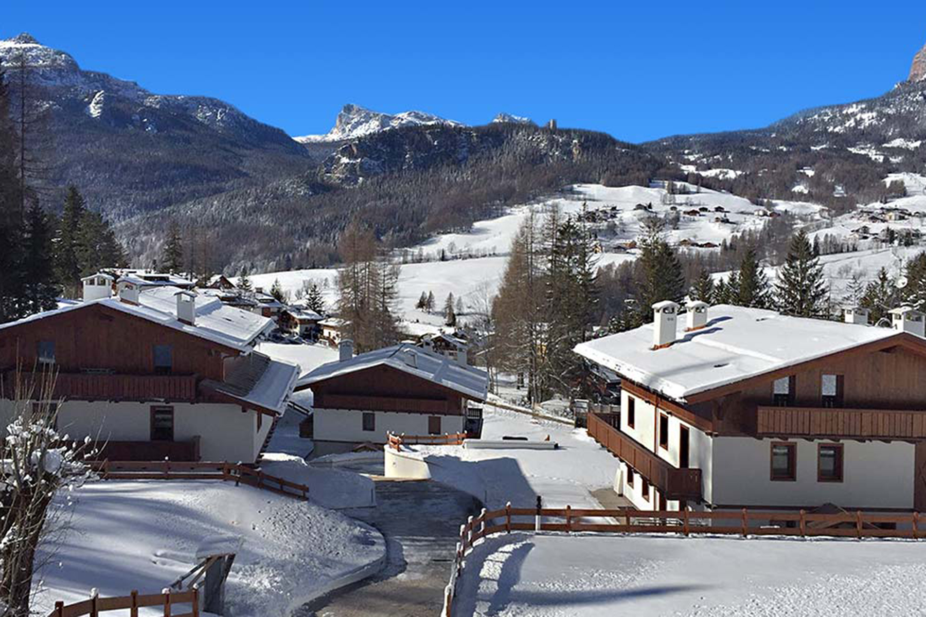 Single Family Home for Sale at Luxury chalet in Cortina d'Ampezzo Cortina D'Ampezzo, Belluno, Italy