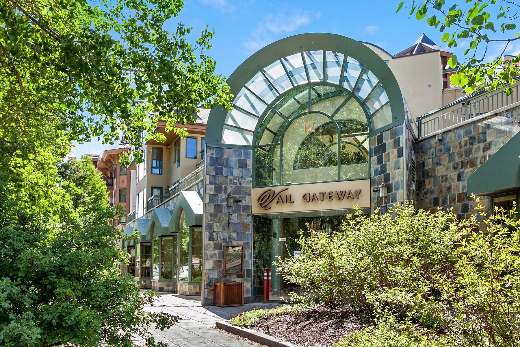 Appartement en copropriété pour l Vente à Boutique Penthouse in the Heart of Vail Village 12 Vail Road #R8 Vail Village, Vail, Colorado, 81657 États-Unis