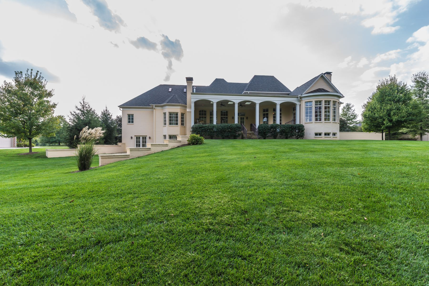 Additional photo for property listing at 7814 Farm Spring Place 7814 Farm Spring Drive Prospect, Kentucky 40059 United States
