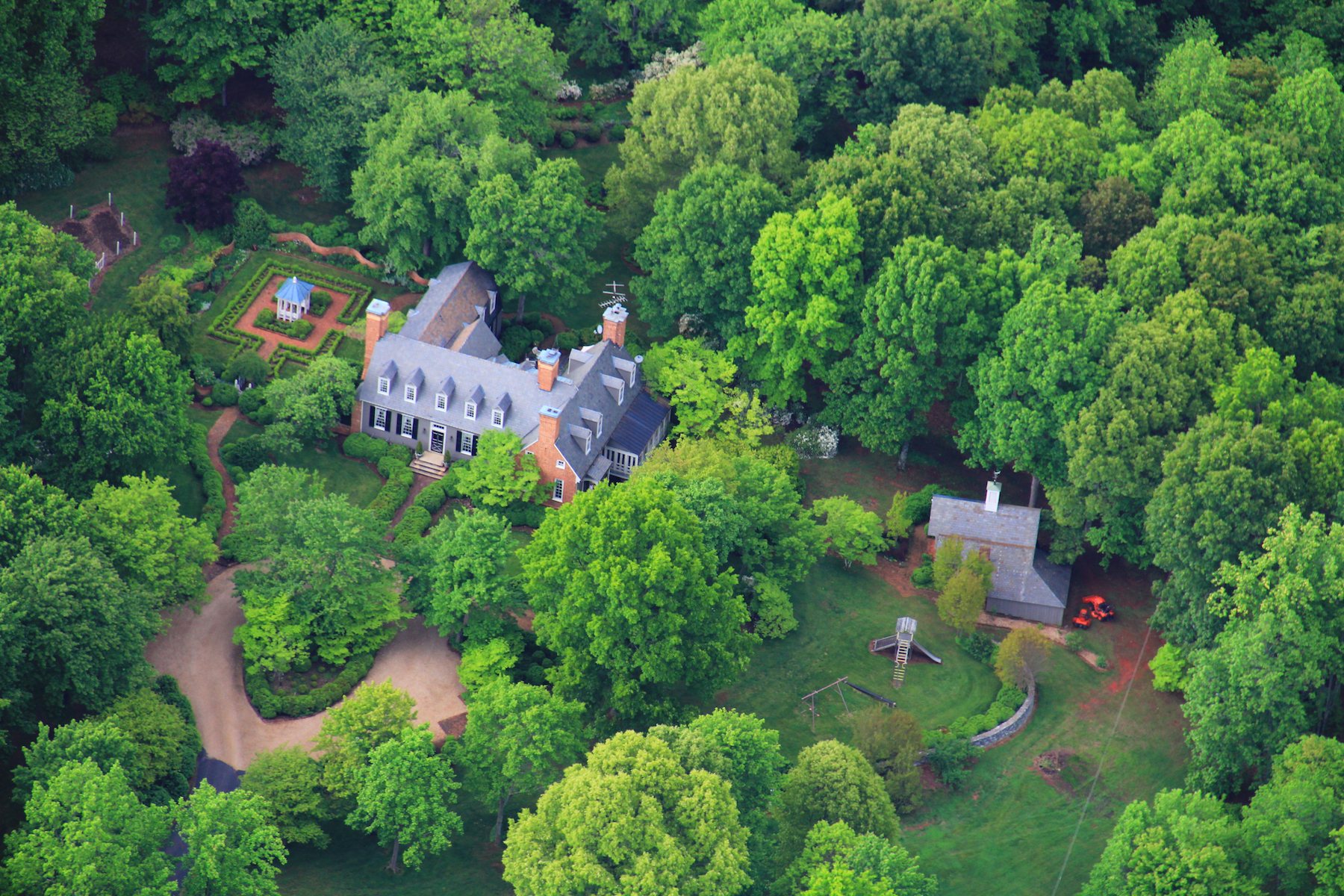 Vivienda unifamiliar por un Venta en Sutherland 2605 COFFEE RD Lynchburg, Virginia, 24503 Estados Unidos