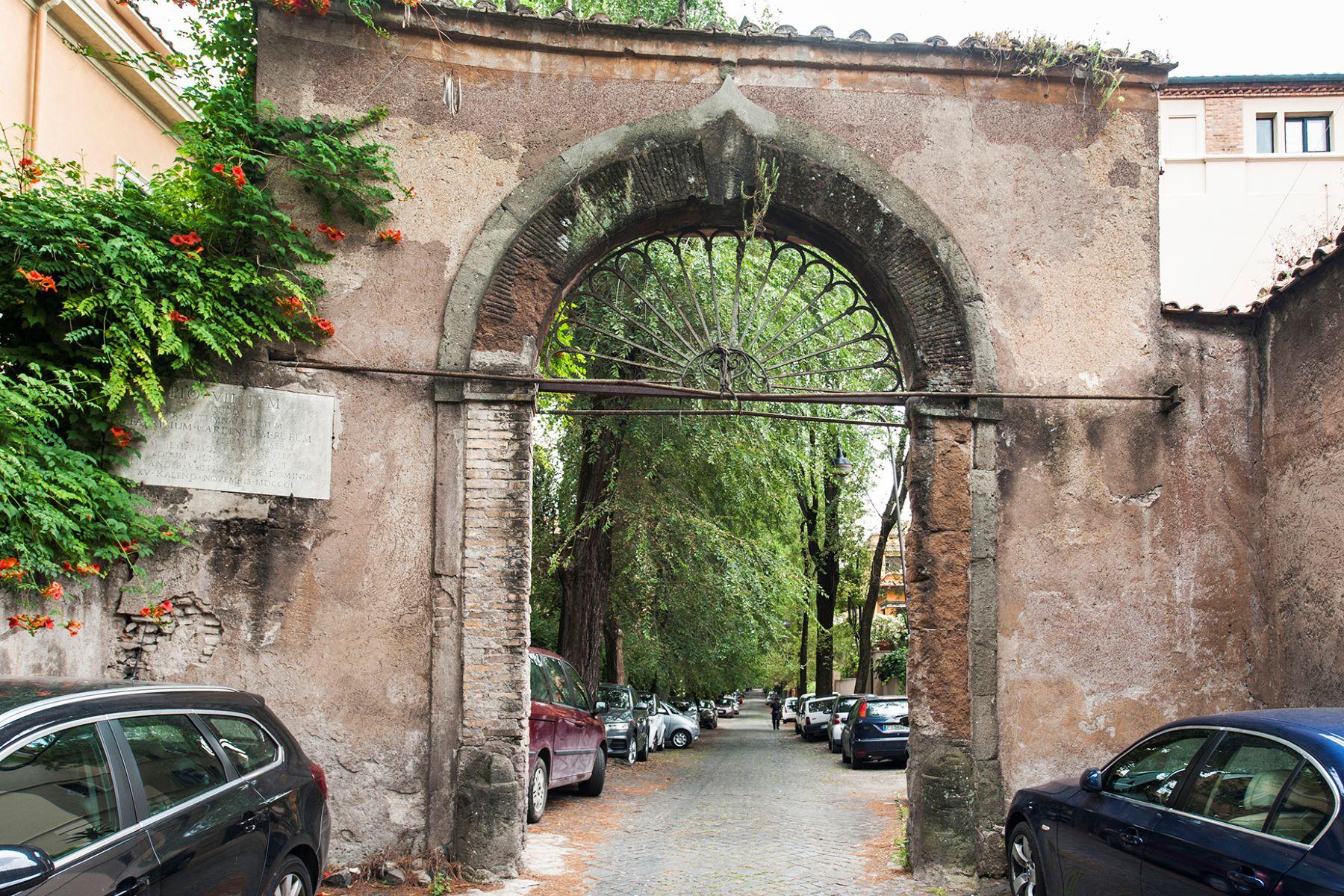 Квартира для того Продажа на Beautiful apartment at the Terme di Caracalla Rome, Рим, Италия